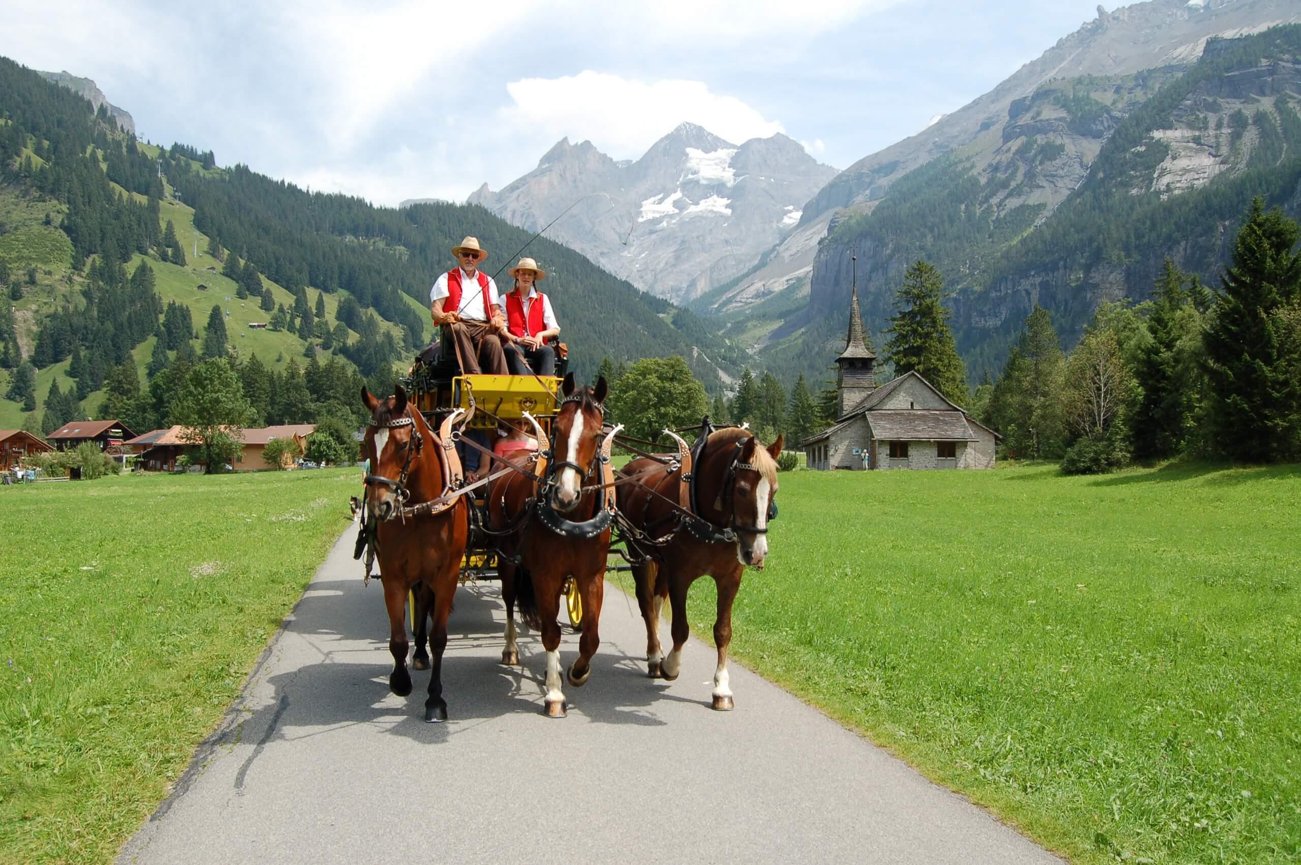aeschi-kutschenfahrt-dorfrundgang-sommer-pferde