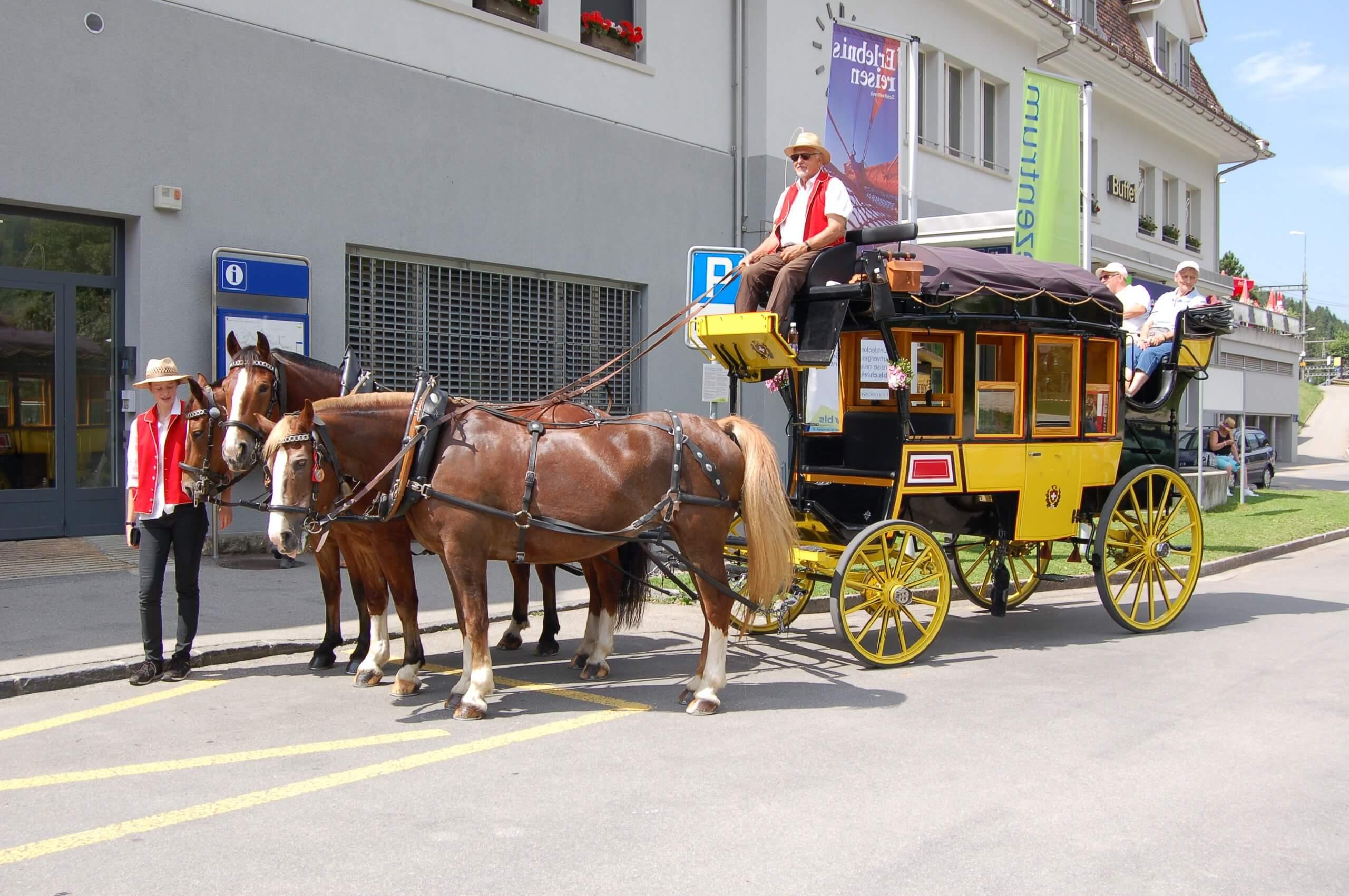 aeschi-kutschenfahrt-dorfrundgang-kutsche-sommer-pferde