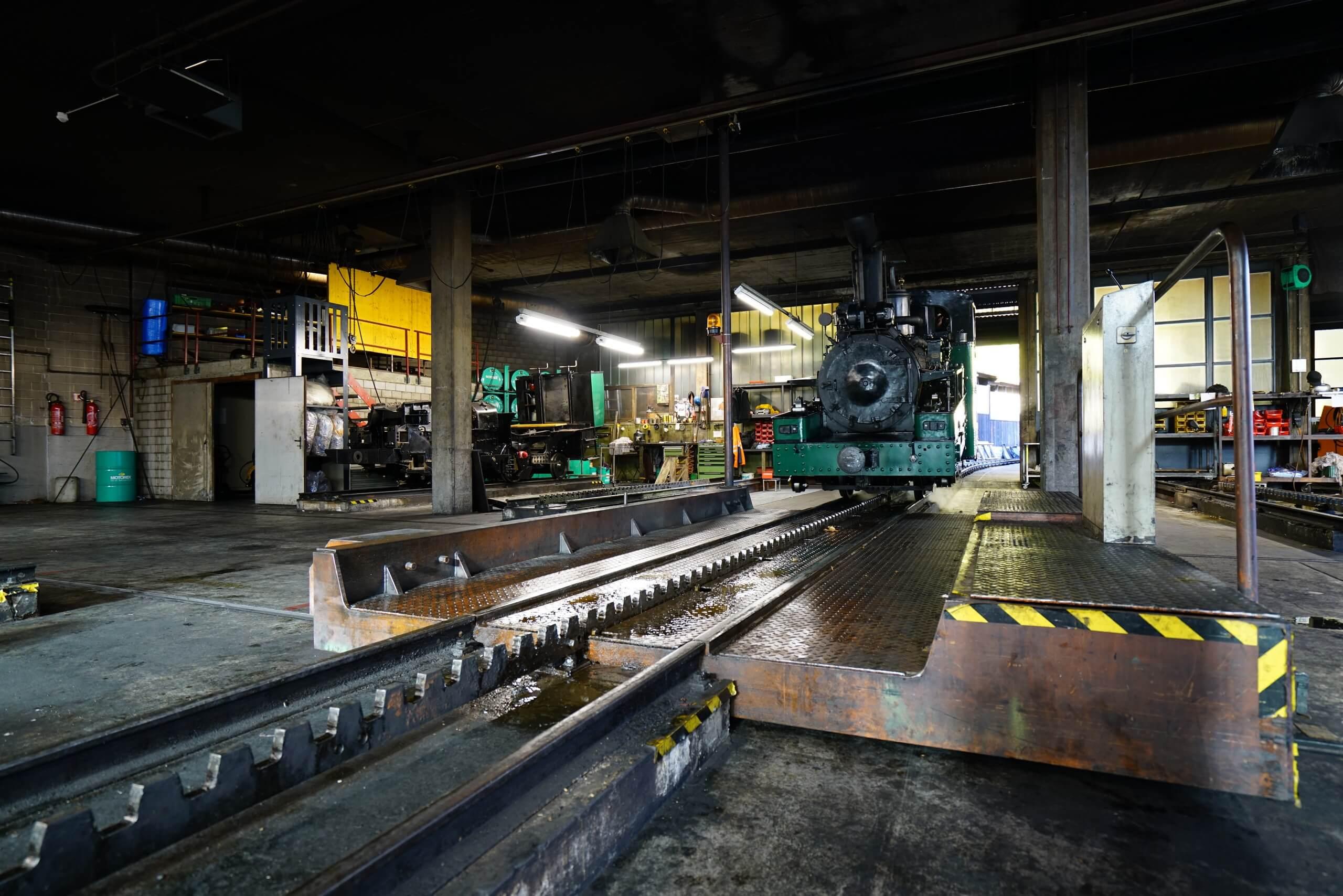 brienz-depotbesichtigung-fuehrung