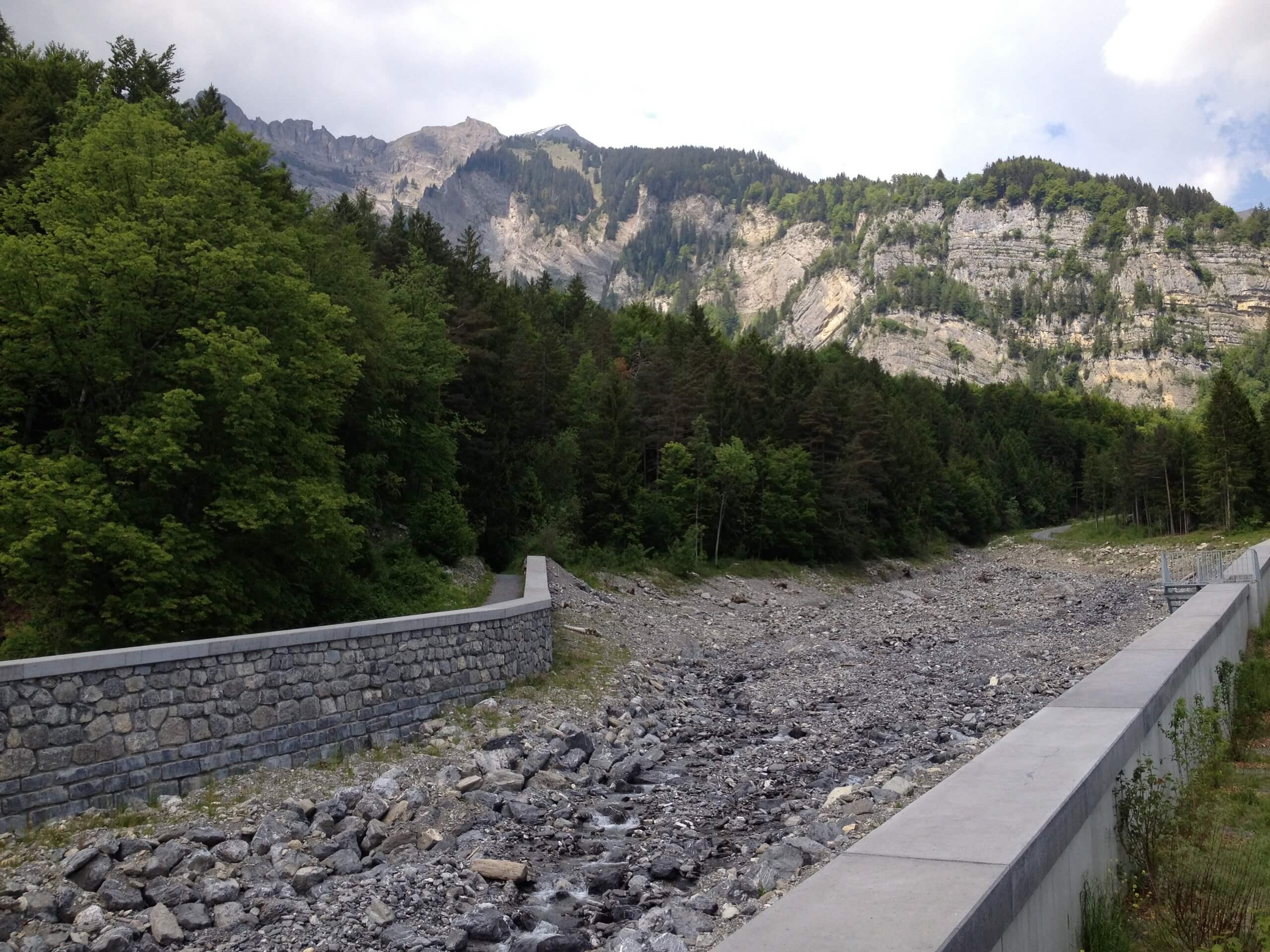 brienz-glyssibach-fuehrung-sommer-ausgetrocknet