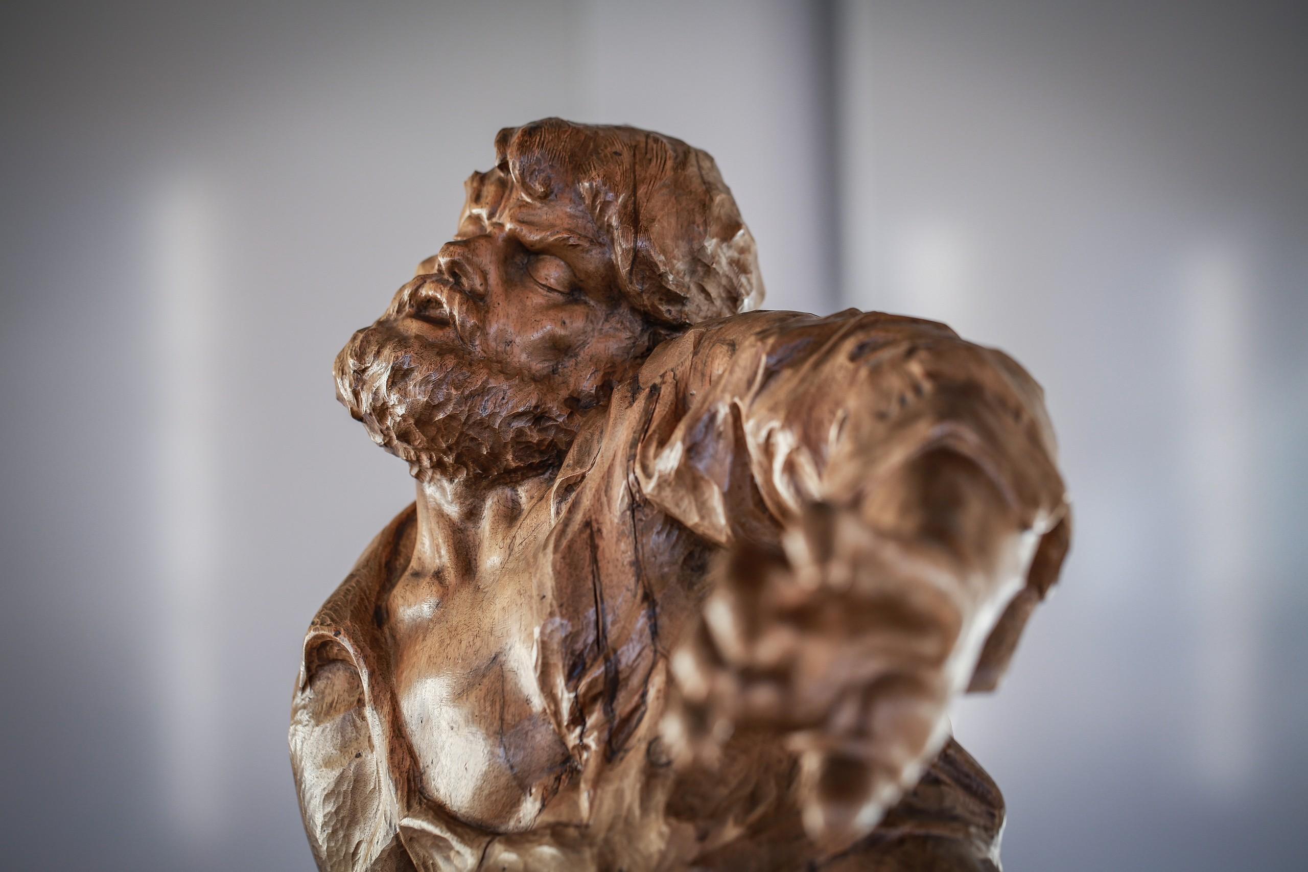 brienz-museum-holzbildhauerei-figur
