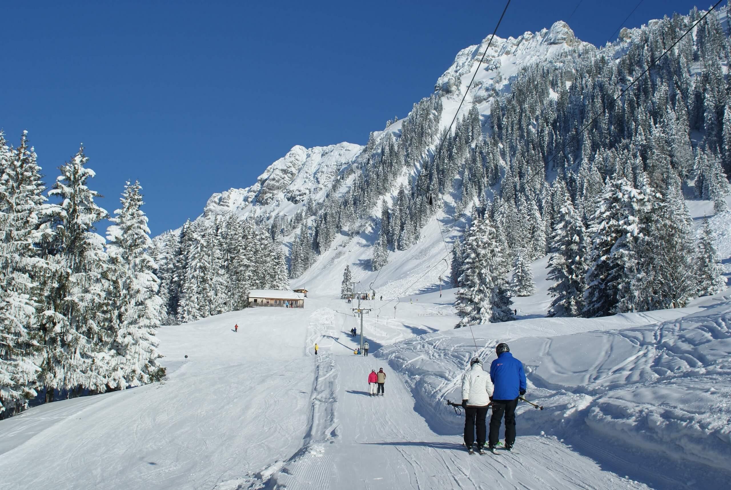 schwanden-bei-sigriswil-winter-schnee-skigebiet