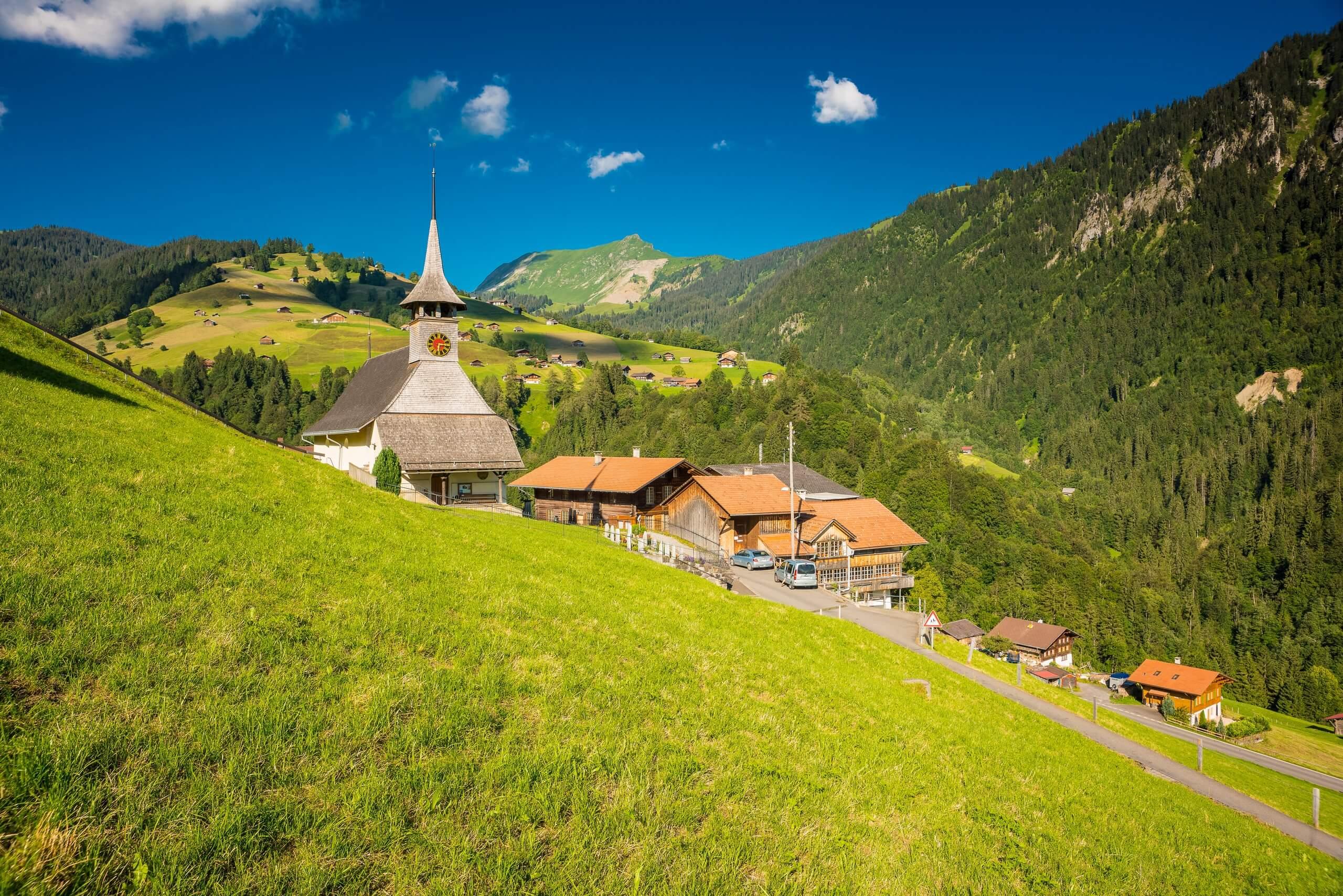 habkern-sommer-dorf-kirche