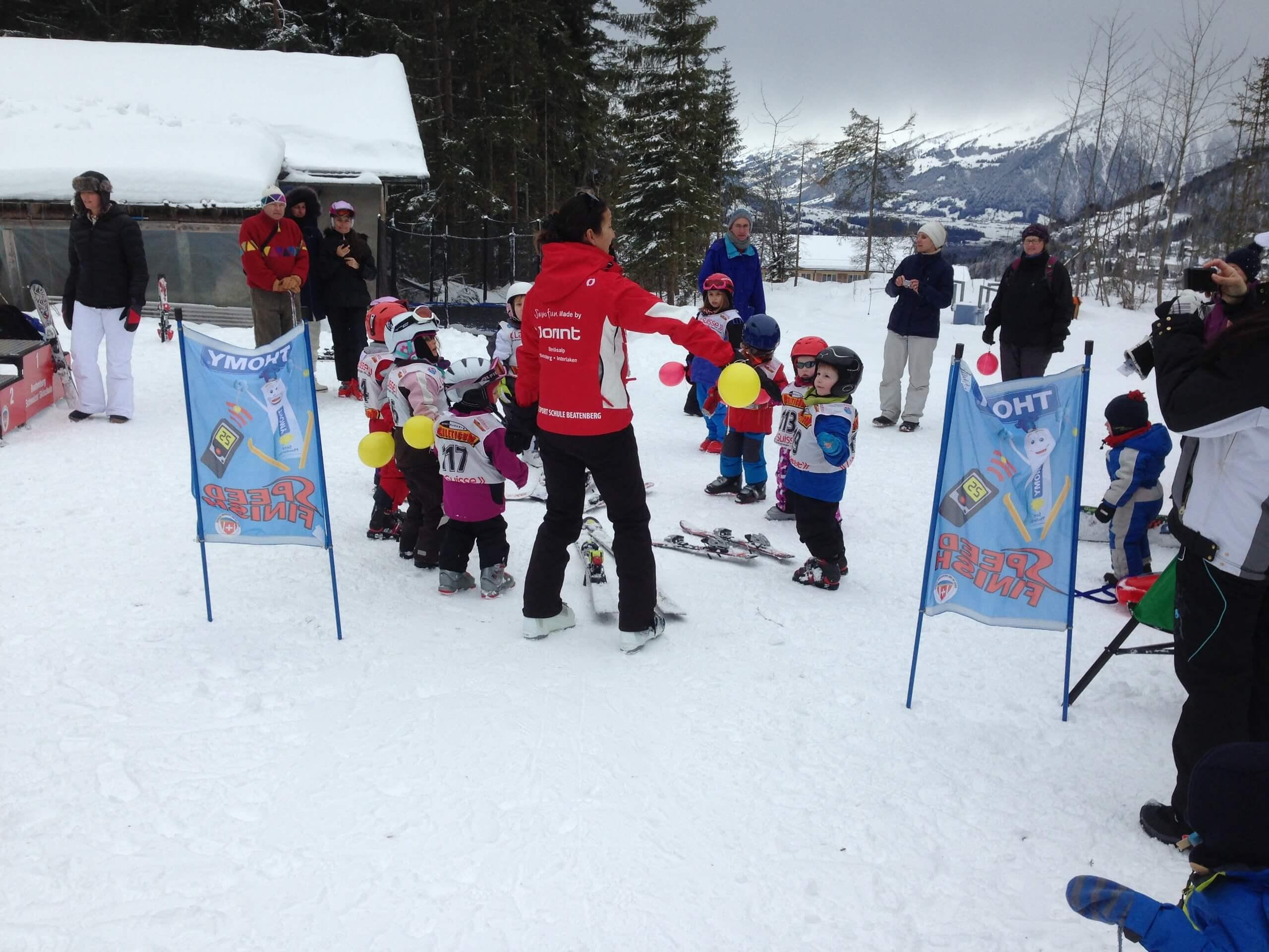 beatenberg-skischule-skilehrer-winter-pisten