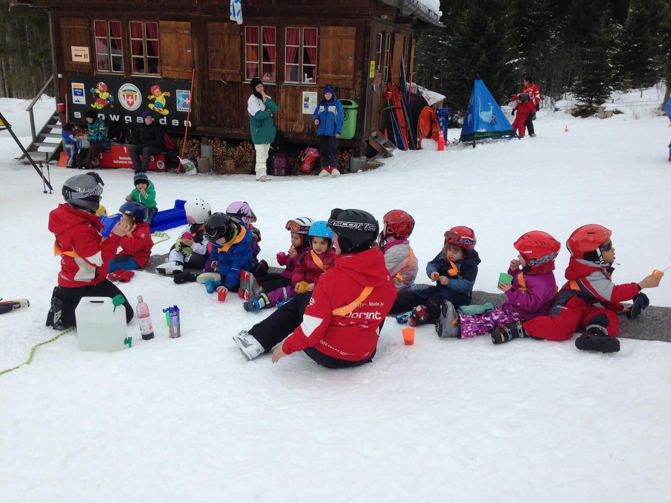 beatenberg-skischule-kinder-winter-skifahren