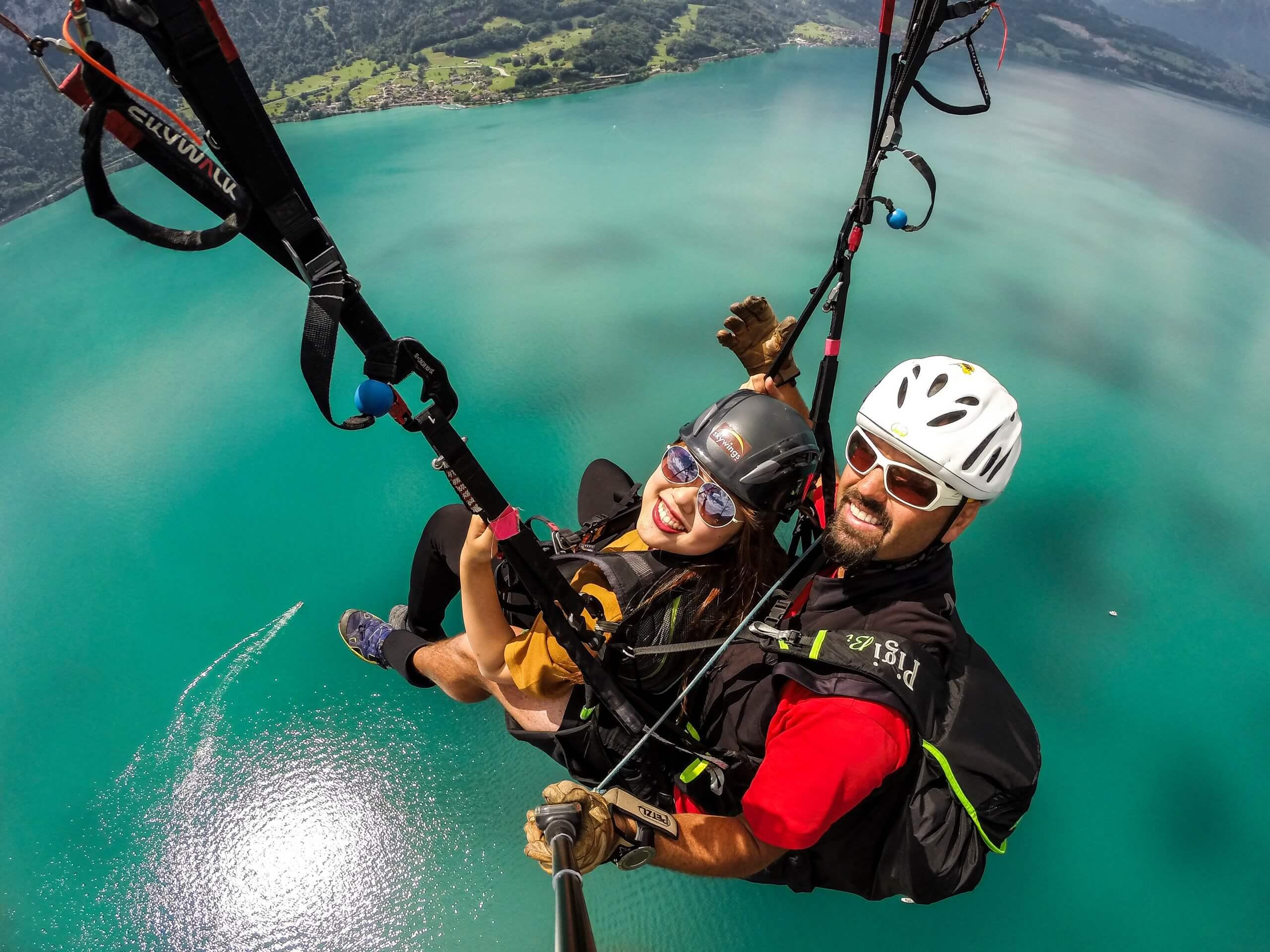 skywings-paragliding-interlaken-sommer-brienzersee-asien