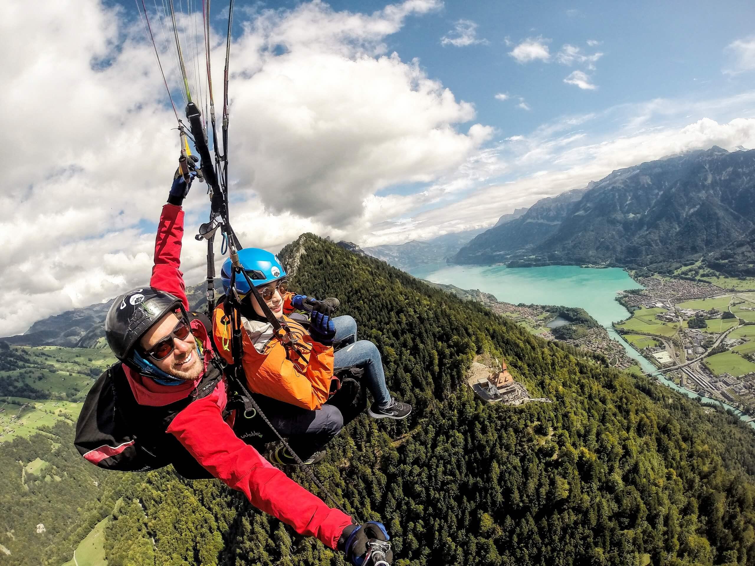skywings-paragliding-interlaken-harder-kulm-high-lake