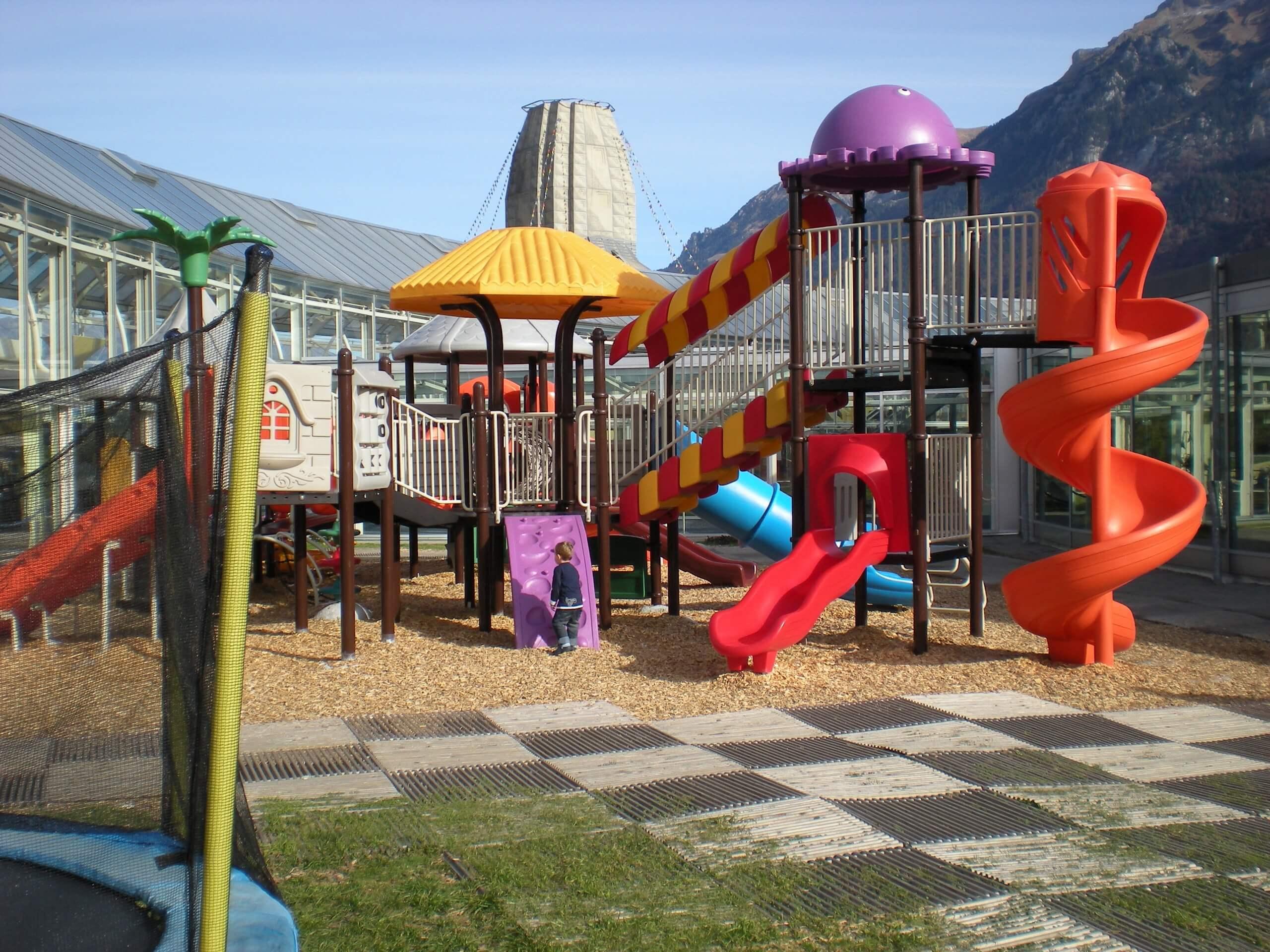 interlaken-jungfraupark-sommer-aussenbereich-mysty-land