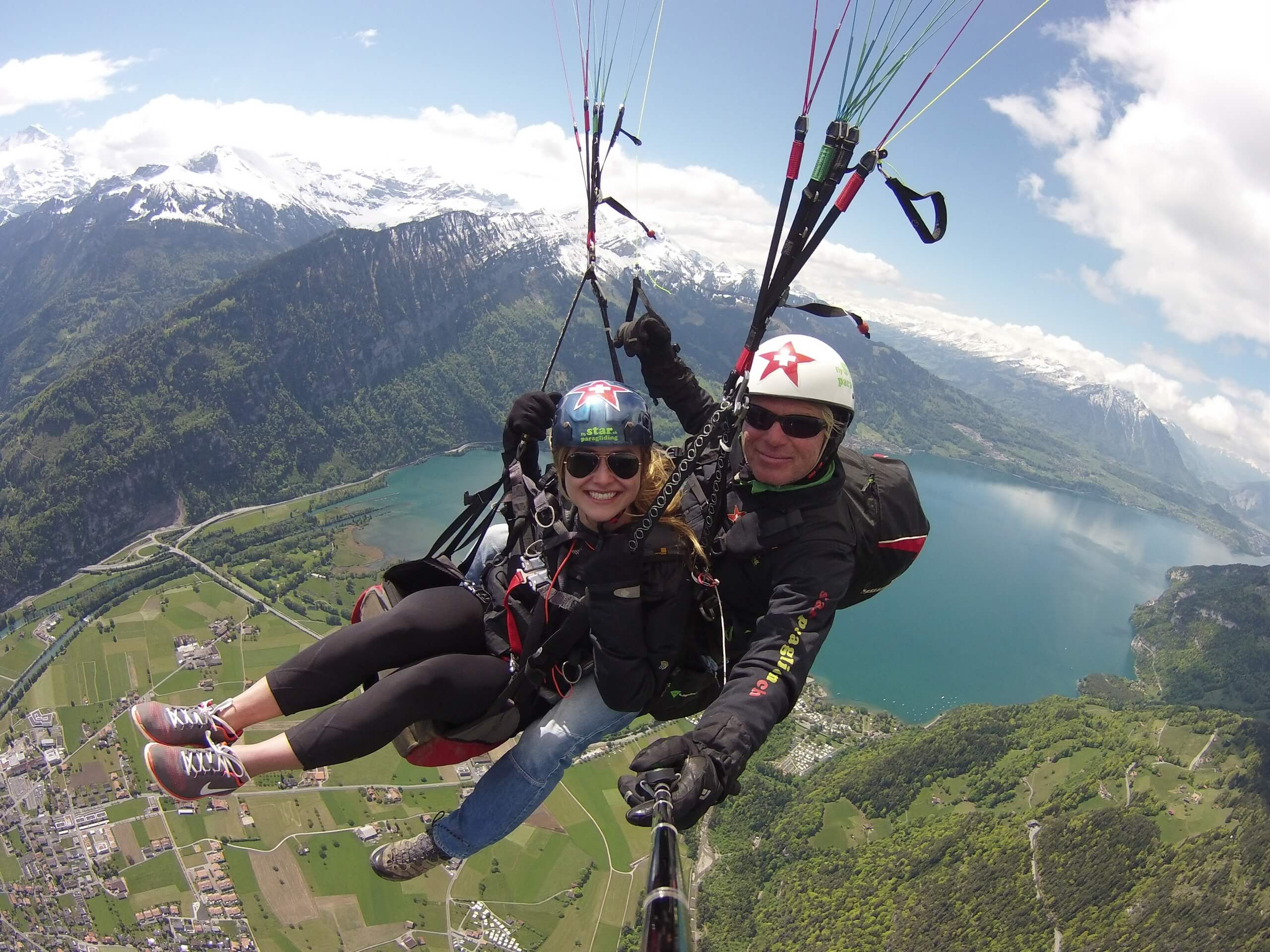 star-paragliding-thunersee-fruehling-panorama