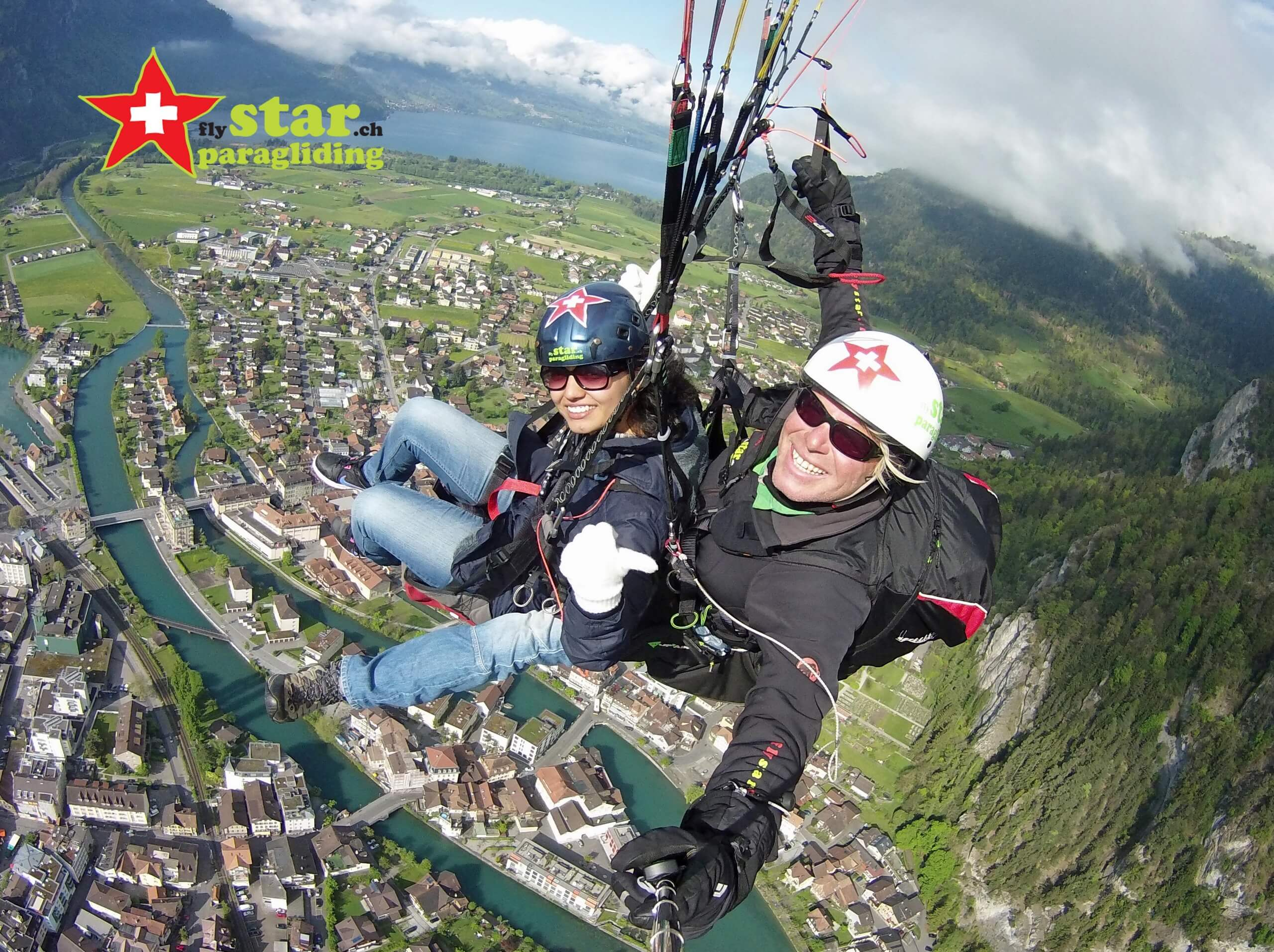 star-paragliding-interlaken-fliegen-sommer