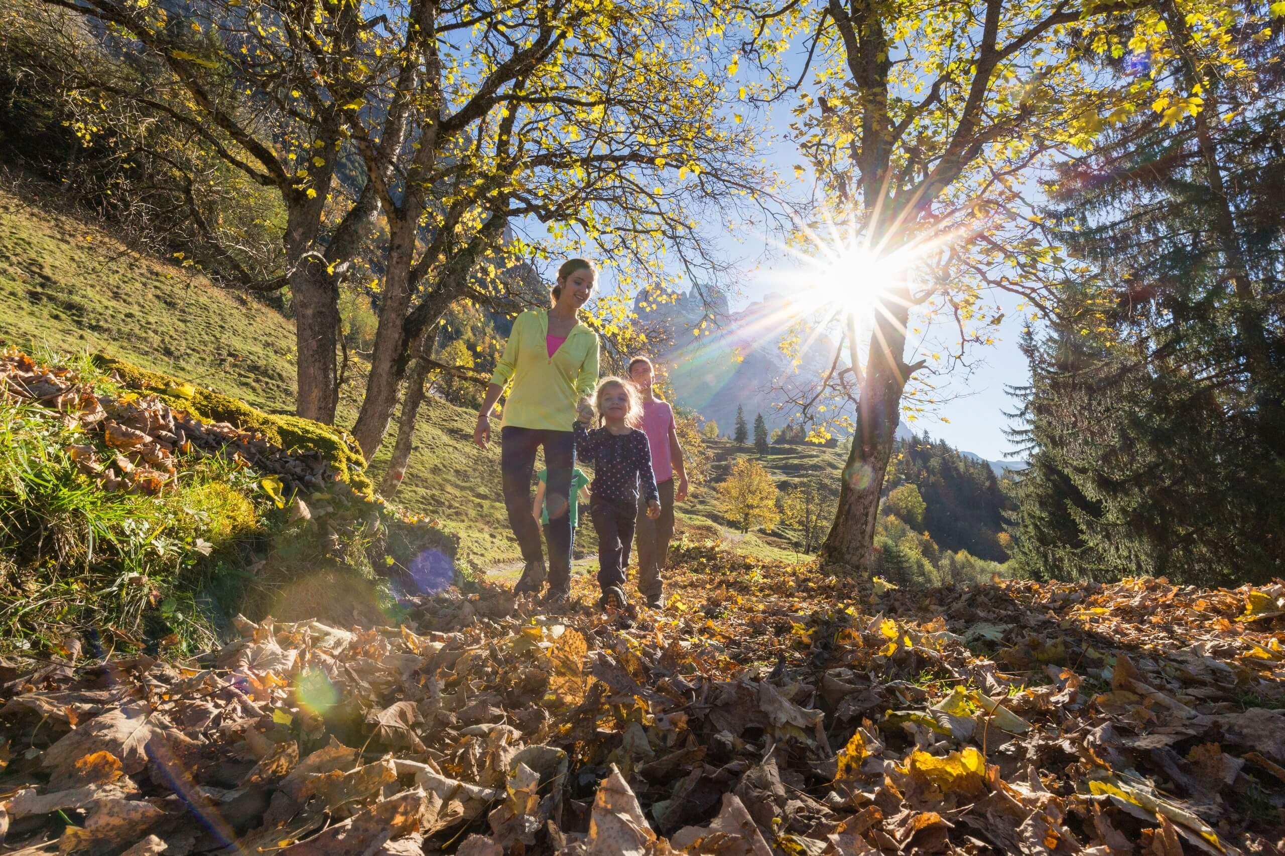 grindelwald-pfingstegg-herbst-familie-wandern