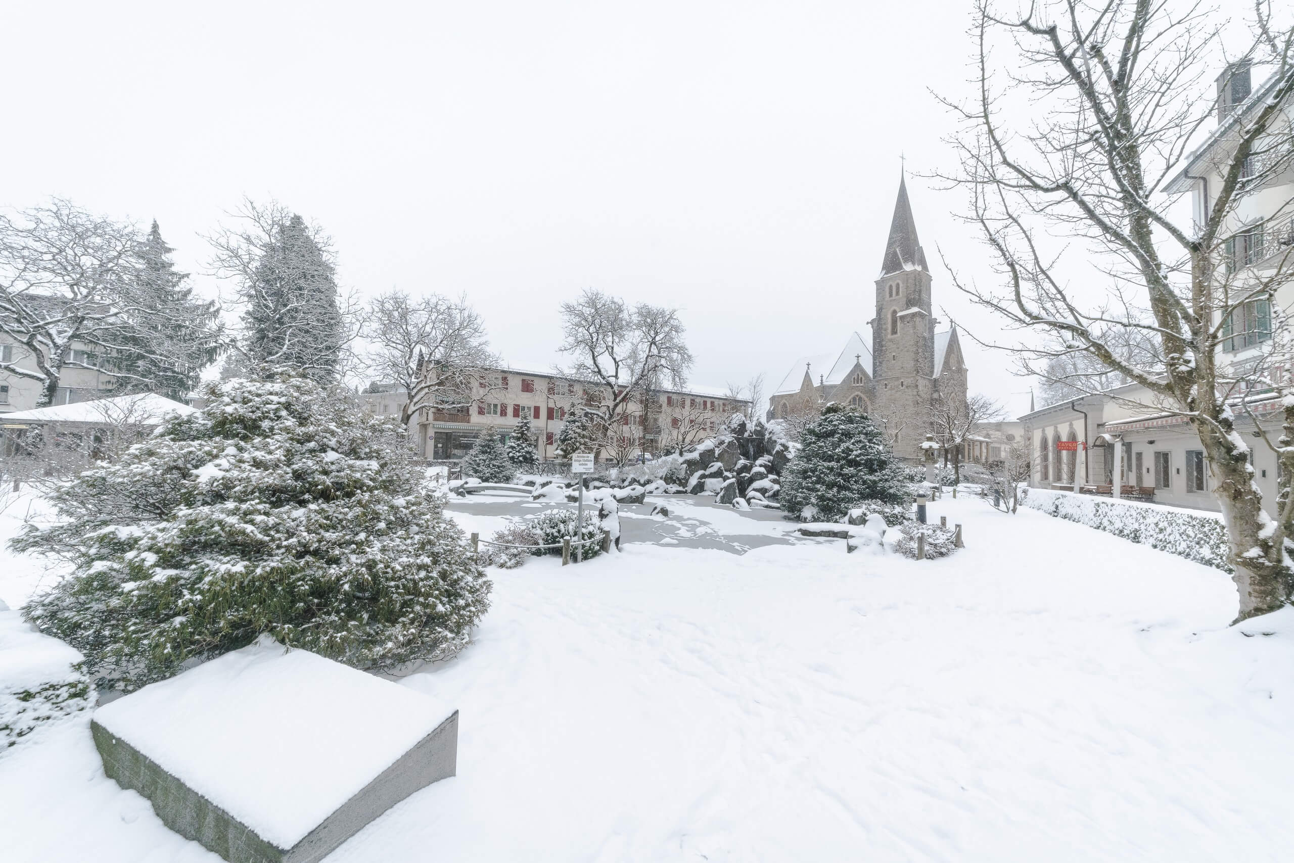 interlaken-japanischer-garten-winter-schnee