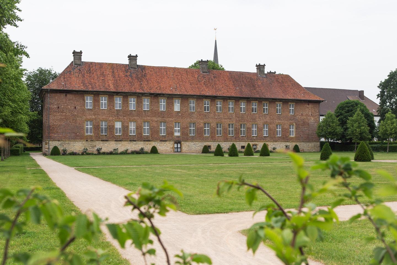 Klosteranlage Clarholz vom Garten aus gesehen