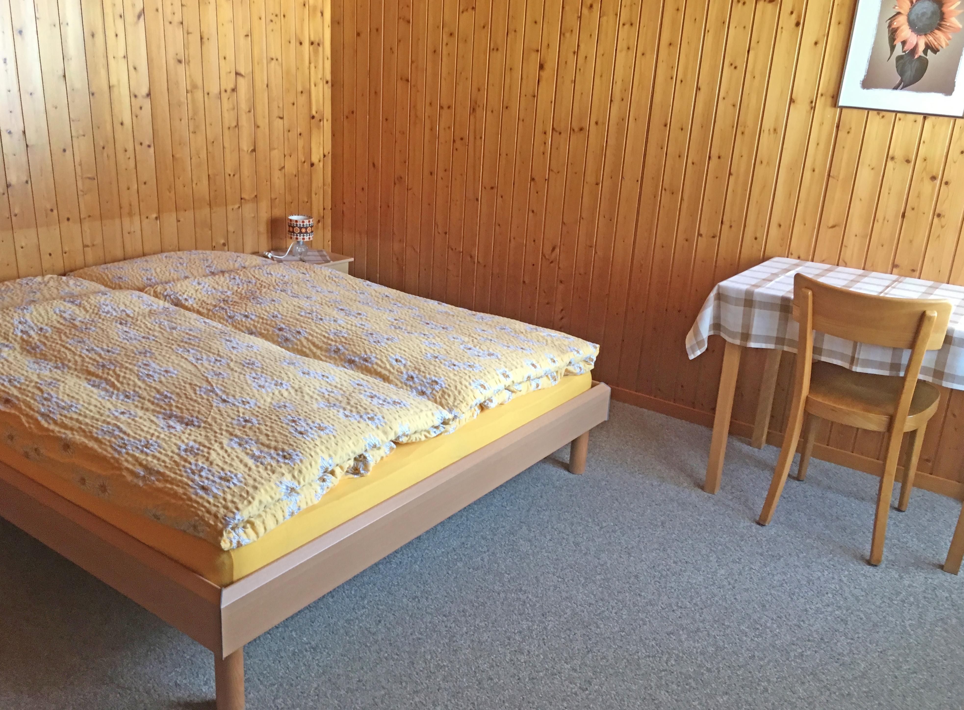 Mit Aufpreis erhältst du ein einfaches Doppelzimmer