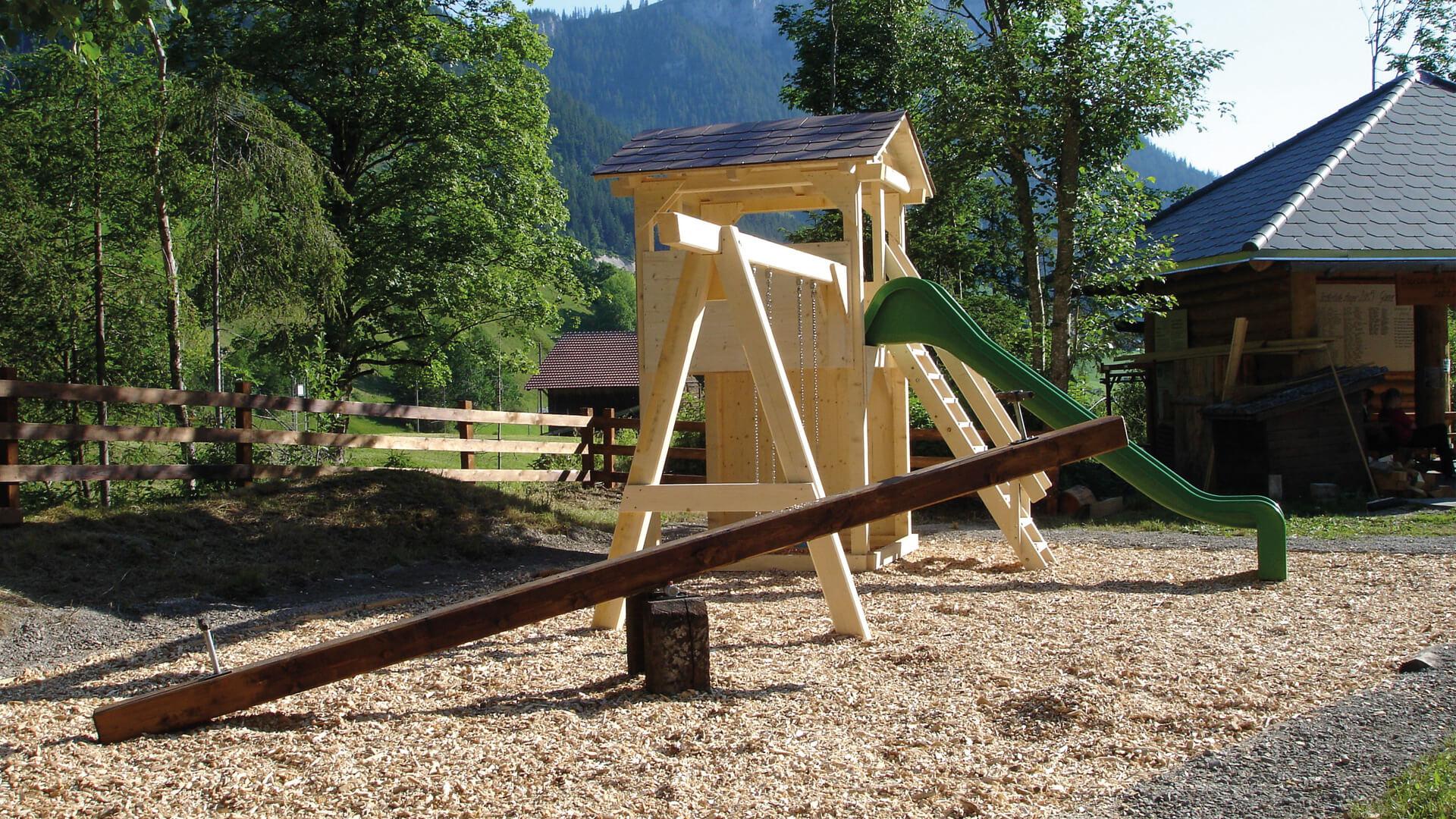 naturpark-diemtigtal-braetlistelle-anger-spielplatz