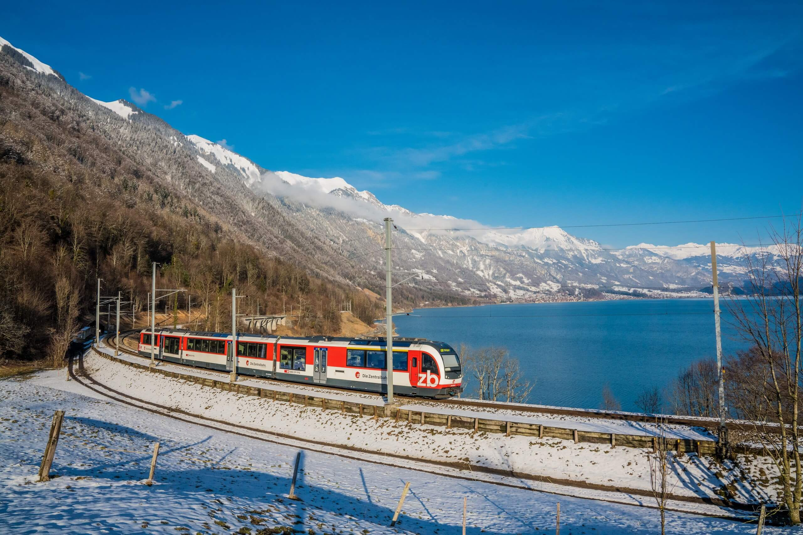 zentralbahn-luzern-interlaken-express-brienzersee-winter