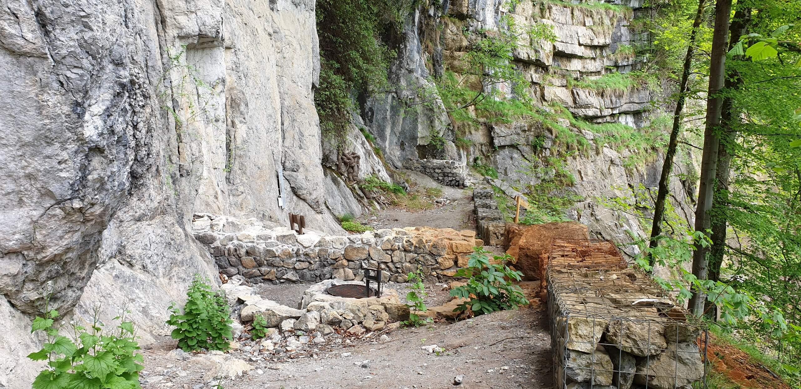 wilderswil-ruine-rothenfluh-braetelstelle-fruehling-wanderweg