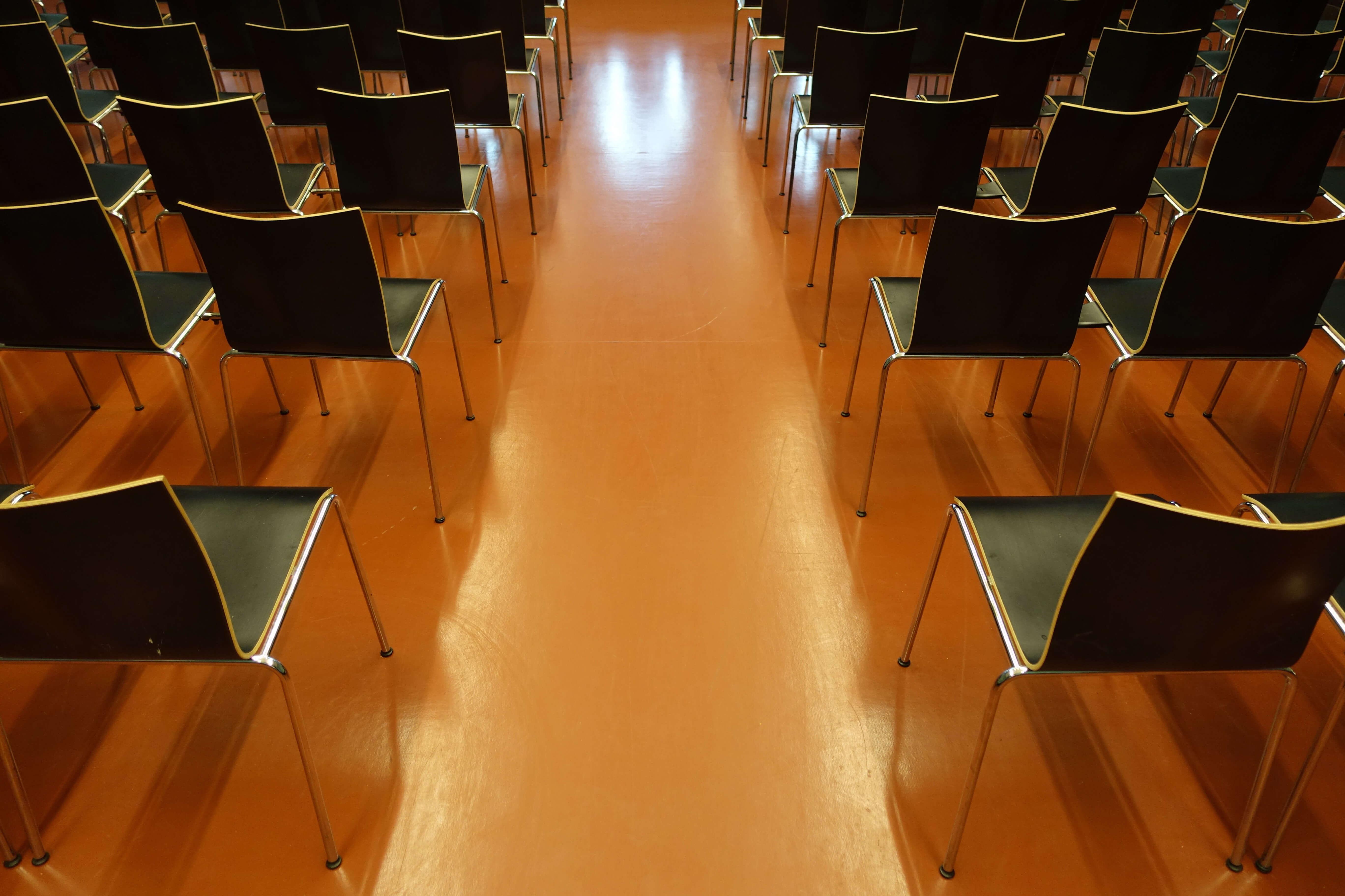 Das Schulhaus bietet geeignete Kurslokalitäten
