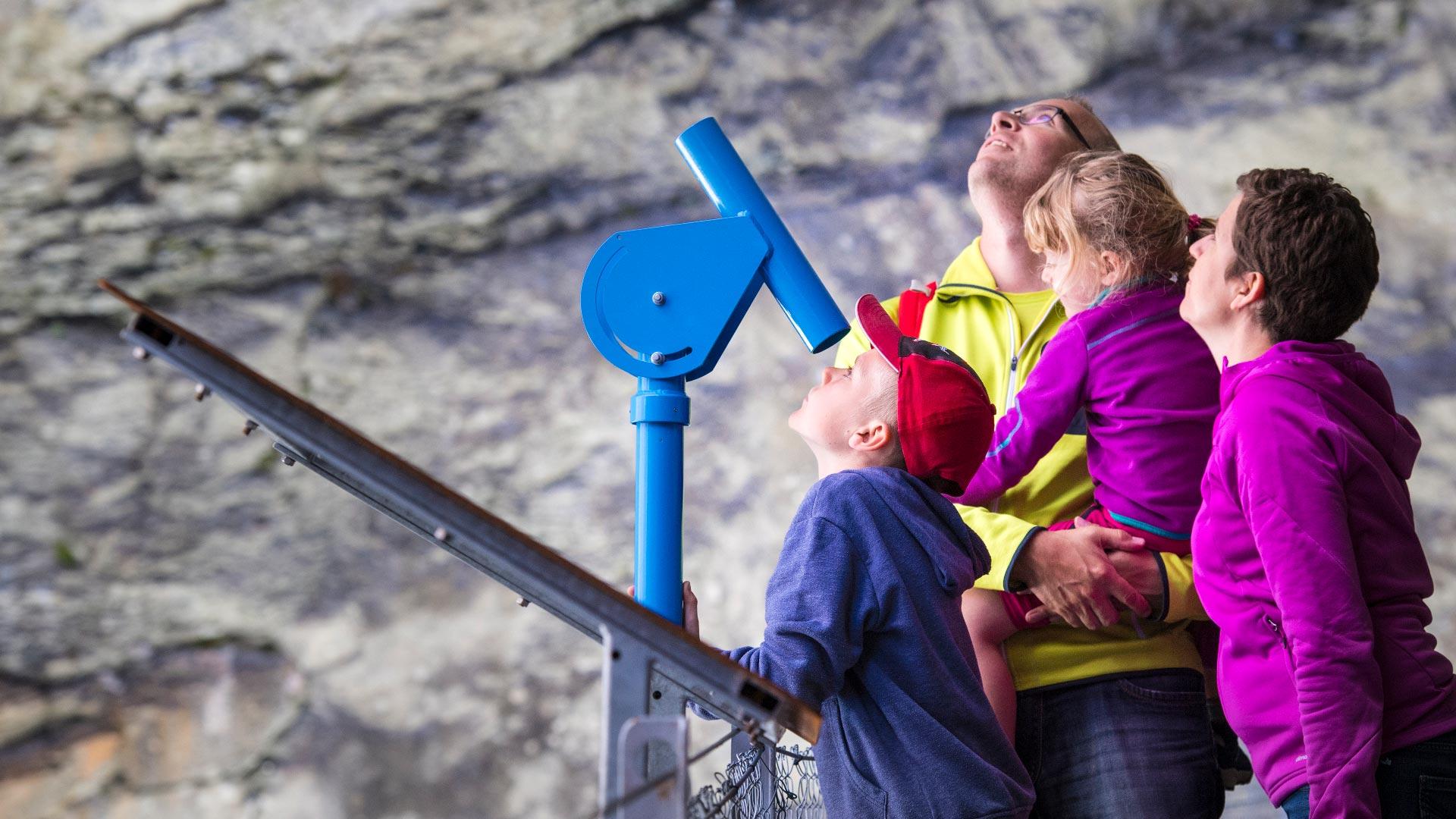 gletscherschlucht-grindelwald-familie-staunen-geologie