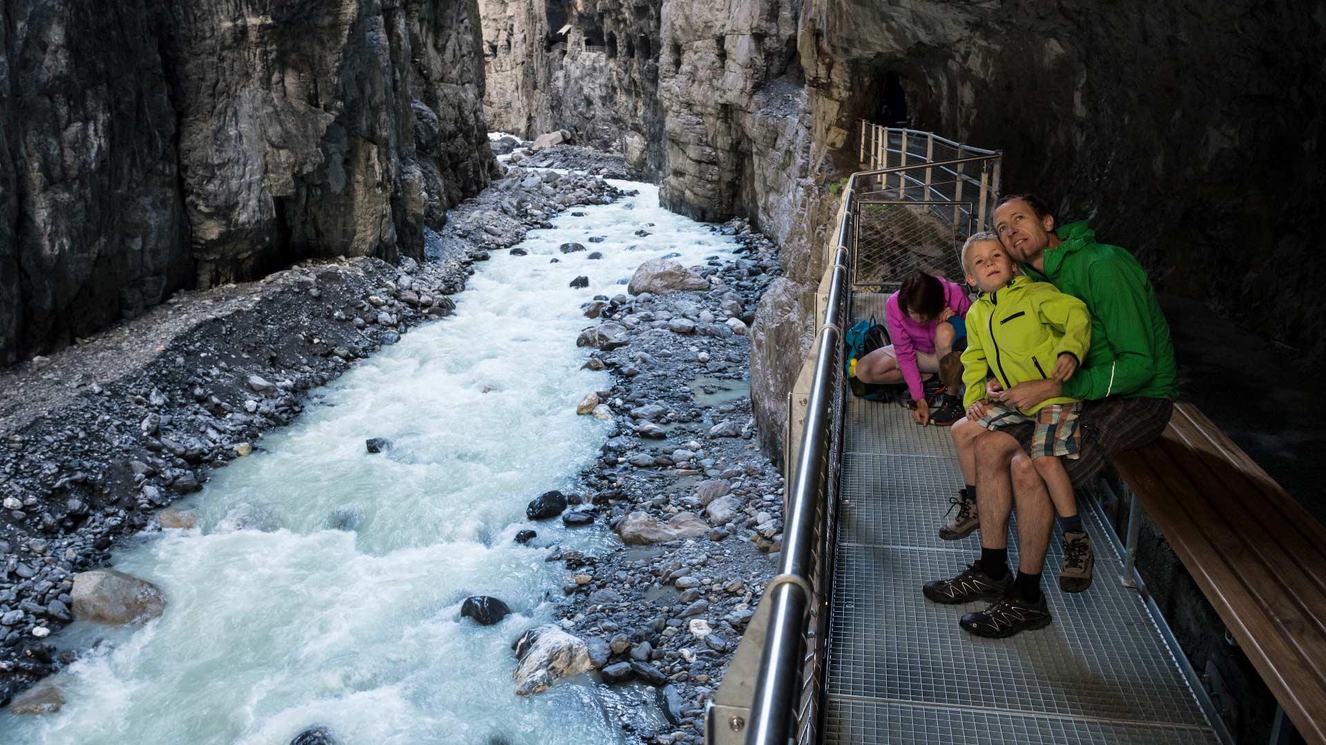 gletscherschlucht-grindelwald-familie-pause