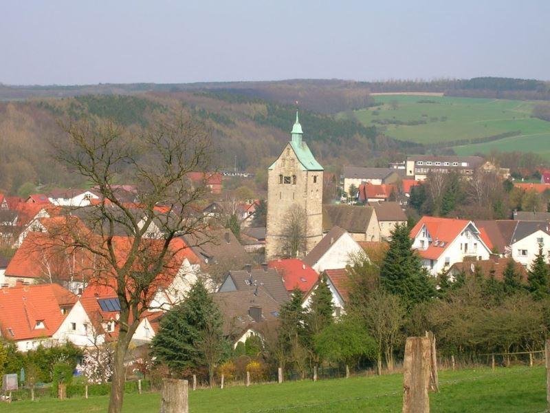 Katholische Pfarrkirche St. Marien in Paderborn-Neuenbeken
