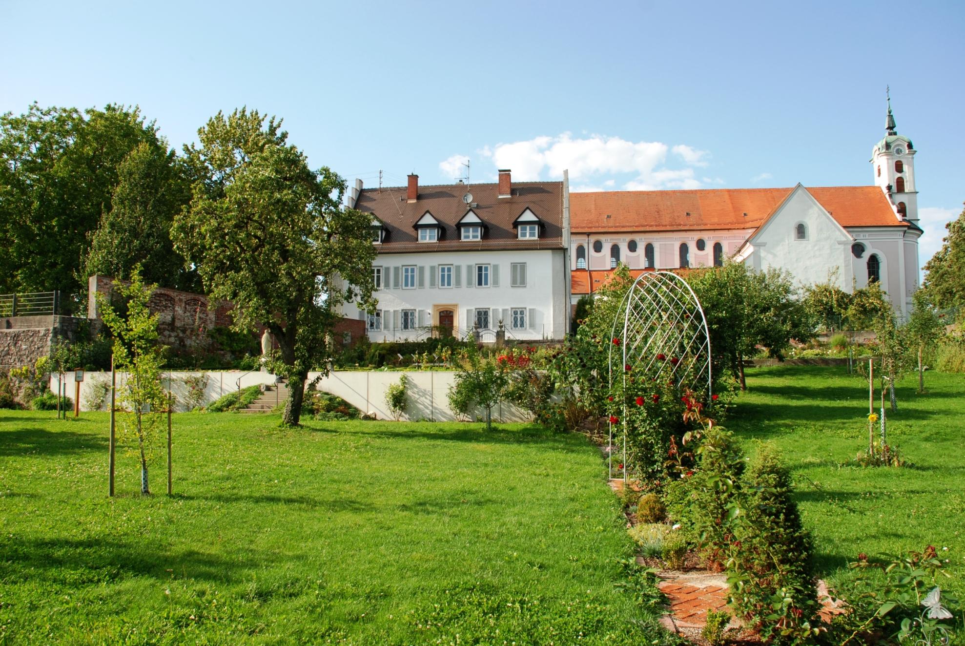Klosterkirche und Pfarrhaus