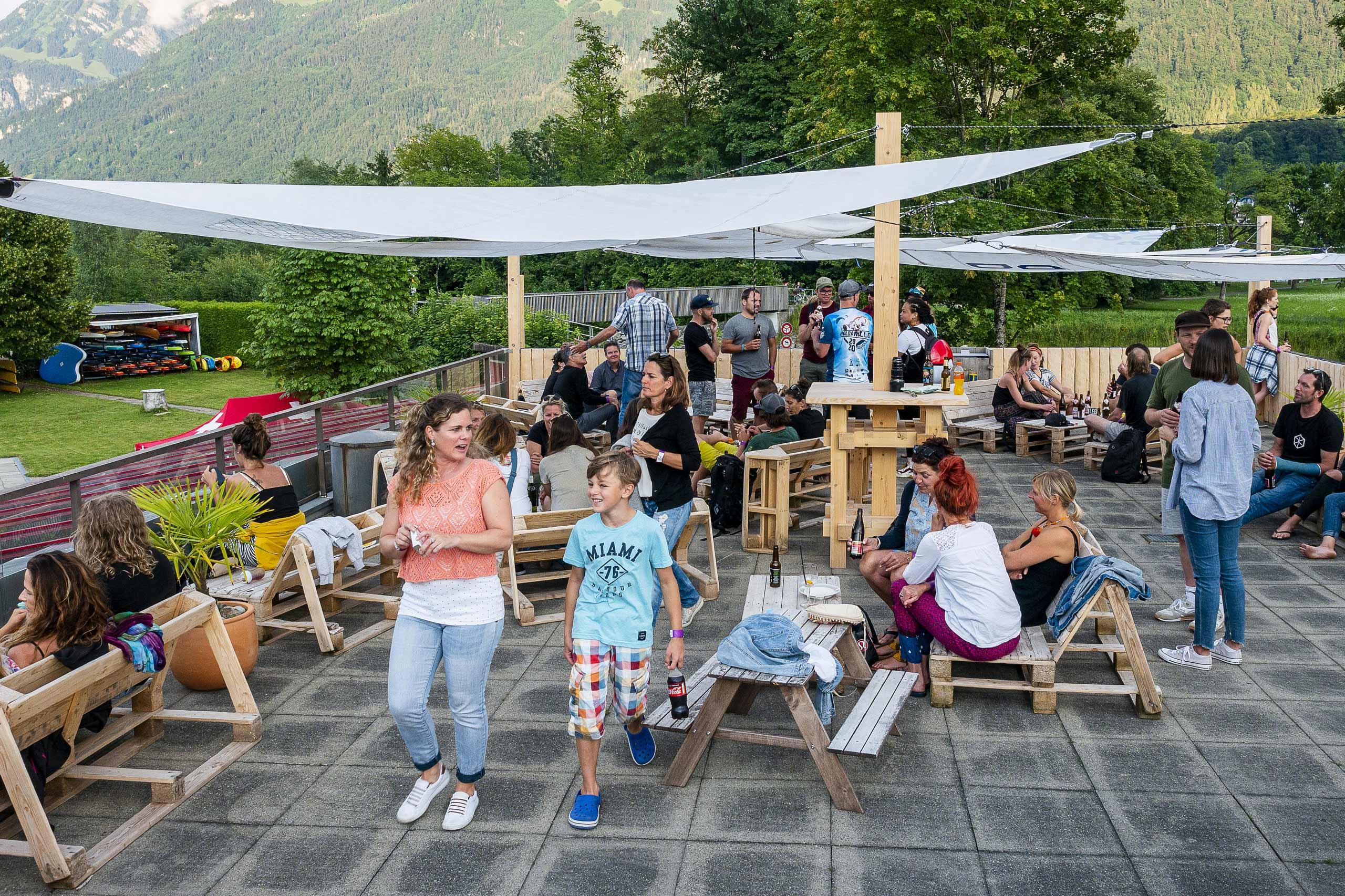 the-berach-strandbad-boenigen-gastronomie-rooftop