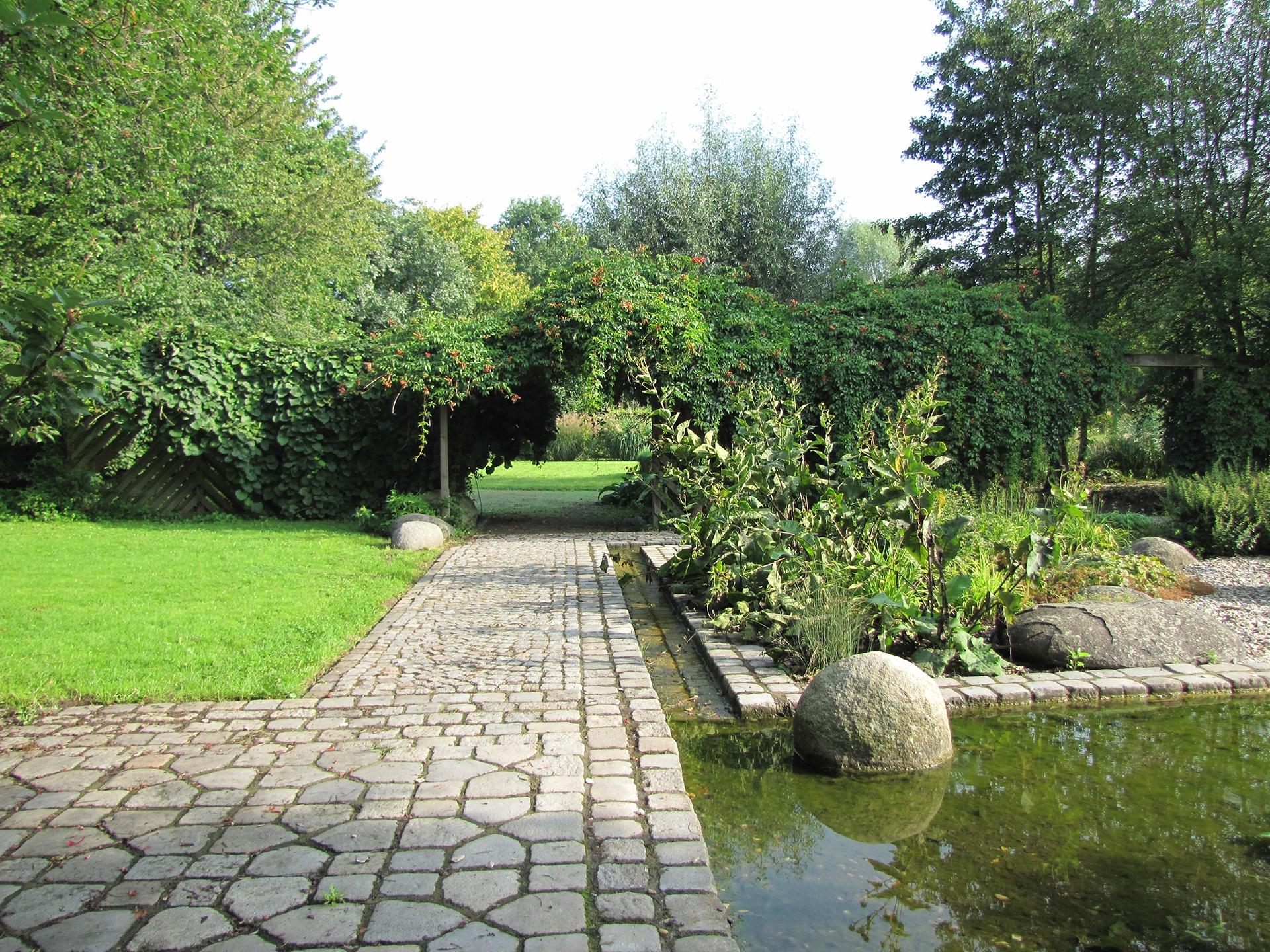 Gartenbilder im Neuhäuser Schloss- und Auenpark