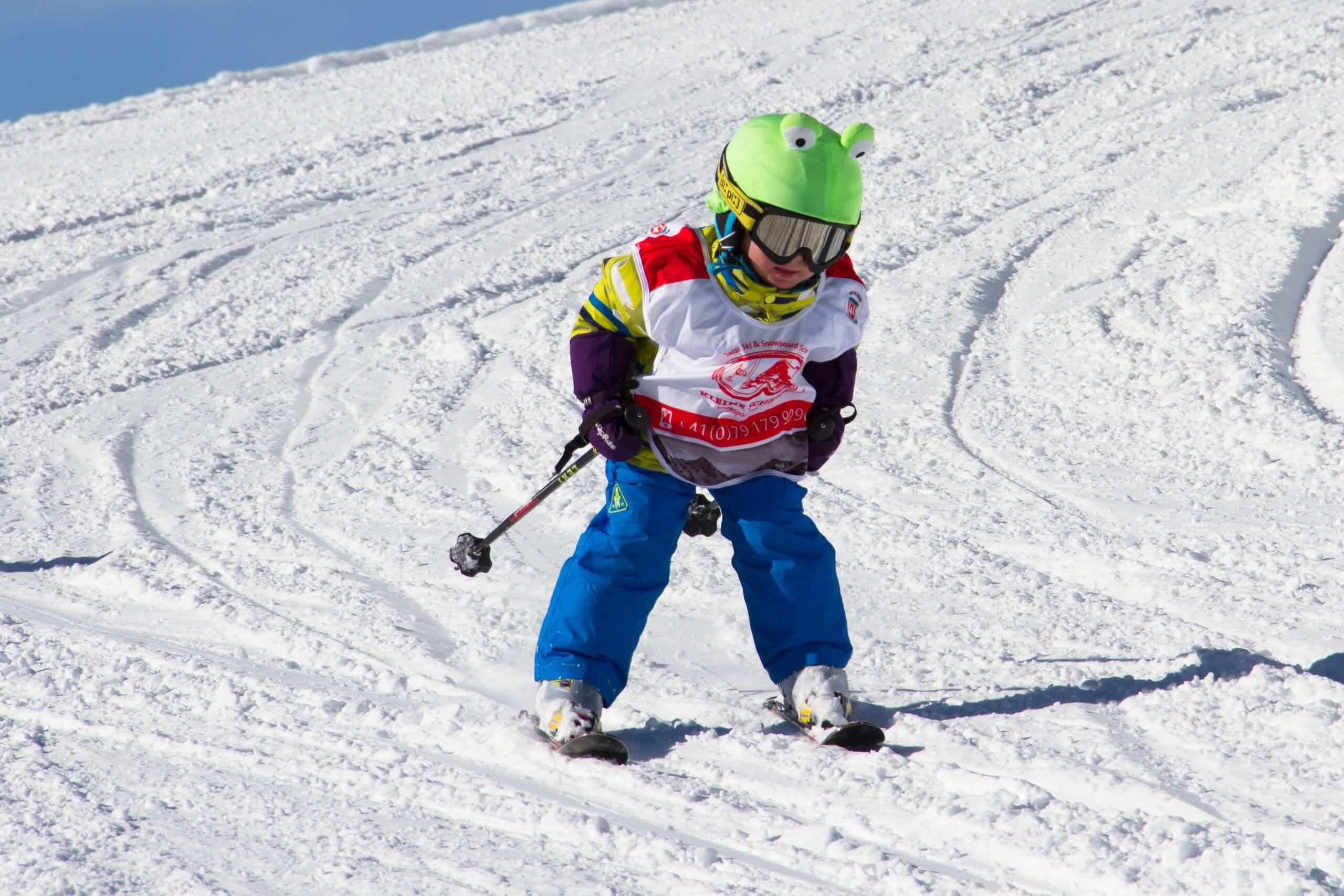schweizer-skischule-interlaken-kleine-scheidegg-winter-kind
