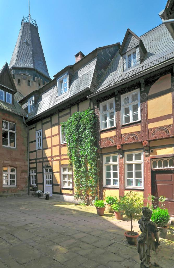 Innenhof vom Schloss Hollwinkel