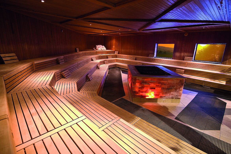 Die mega Brocken Sauna in der Kristalltherme.