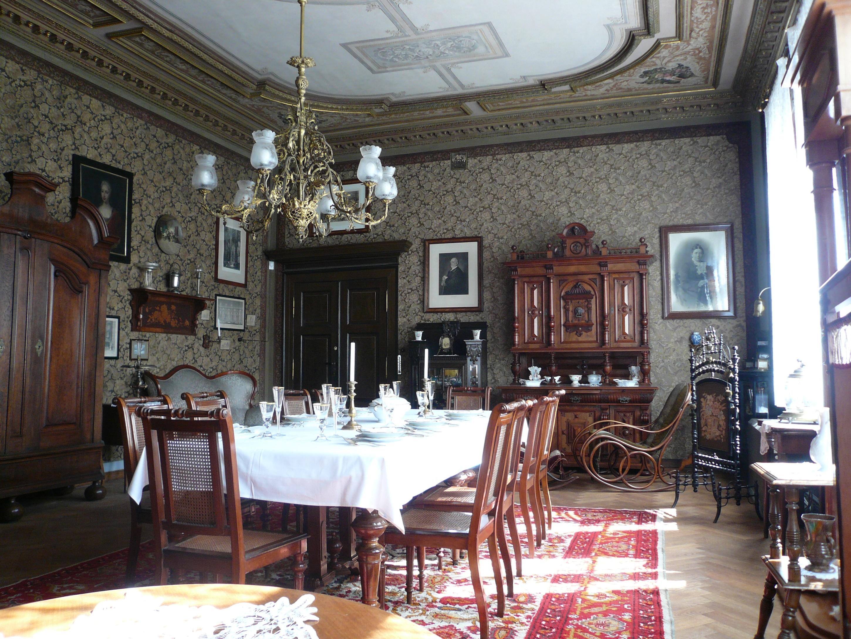 Der im Original erhaltene Salon der Familie Schraube