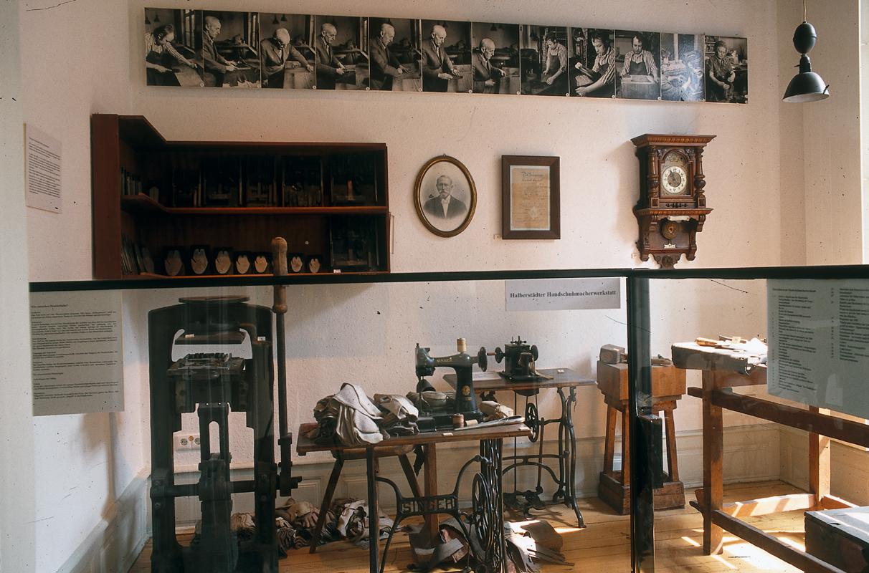 Handschuhmacherwerkstatt im Städtischen Museum Halberstadt.
