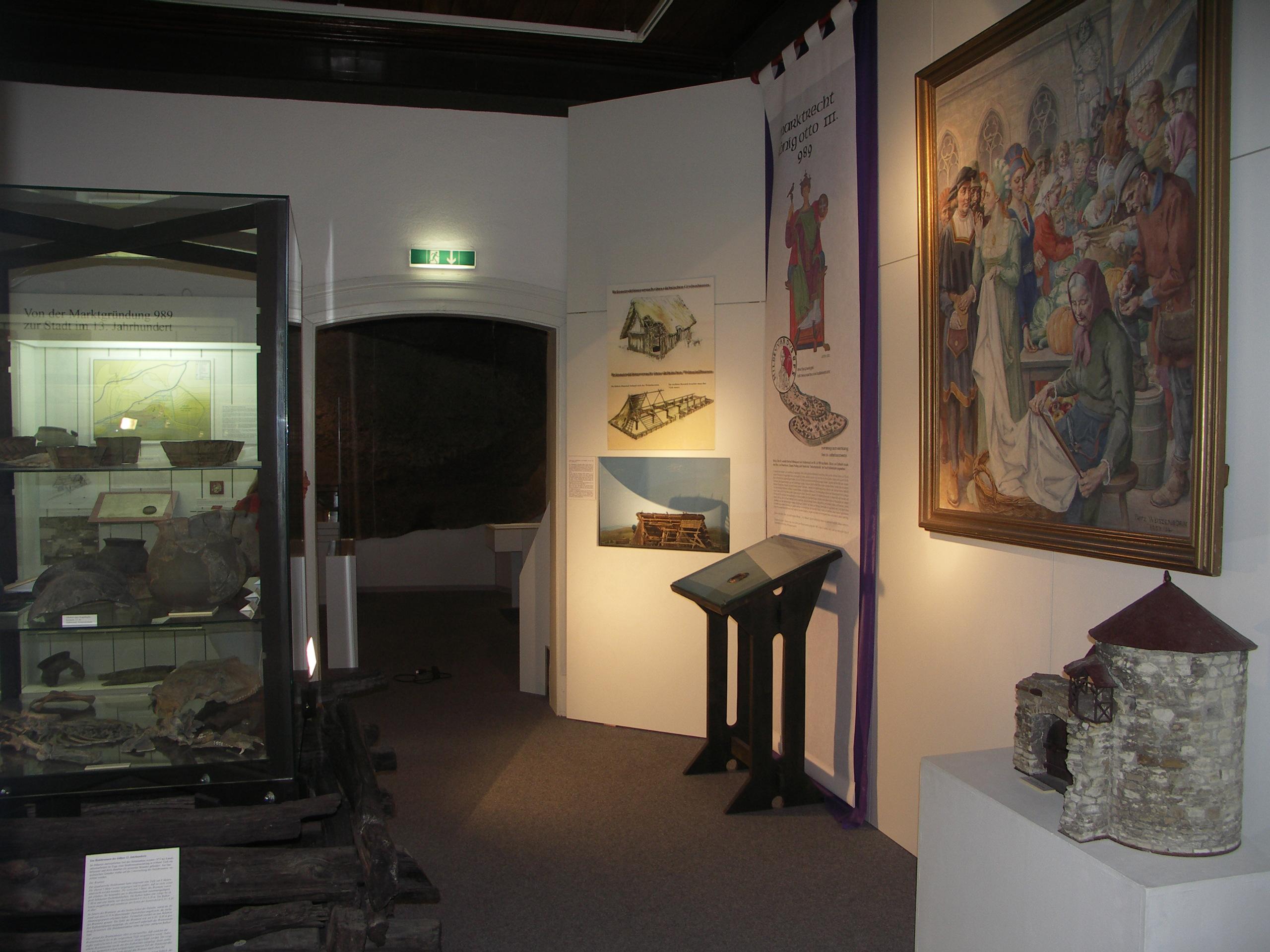 Ausstellung zur Stadtgründung im Städtischen Museum Halberstadt.