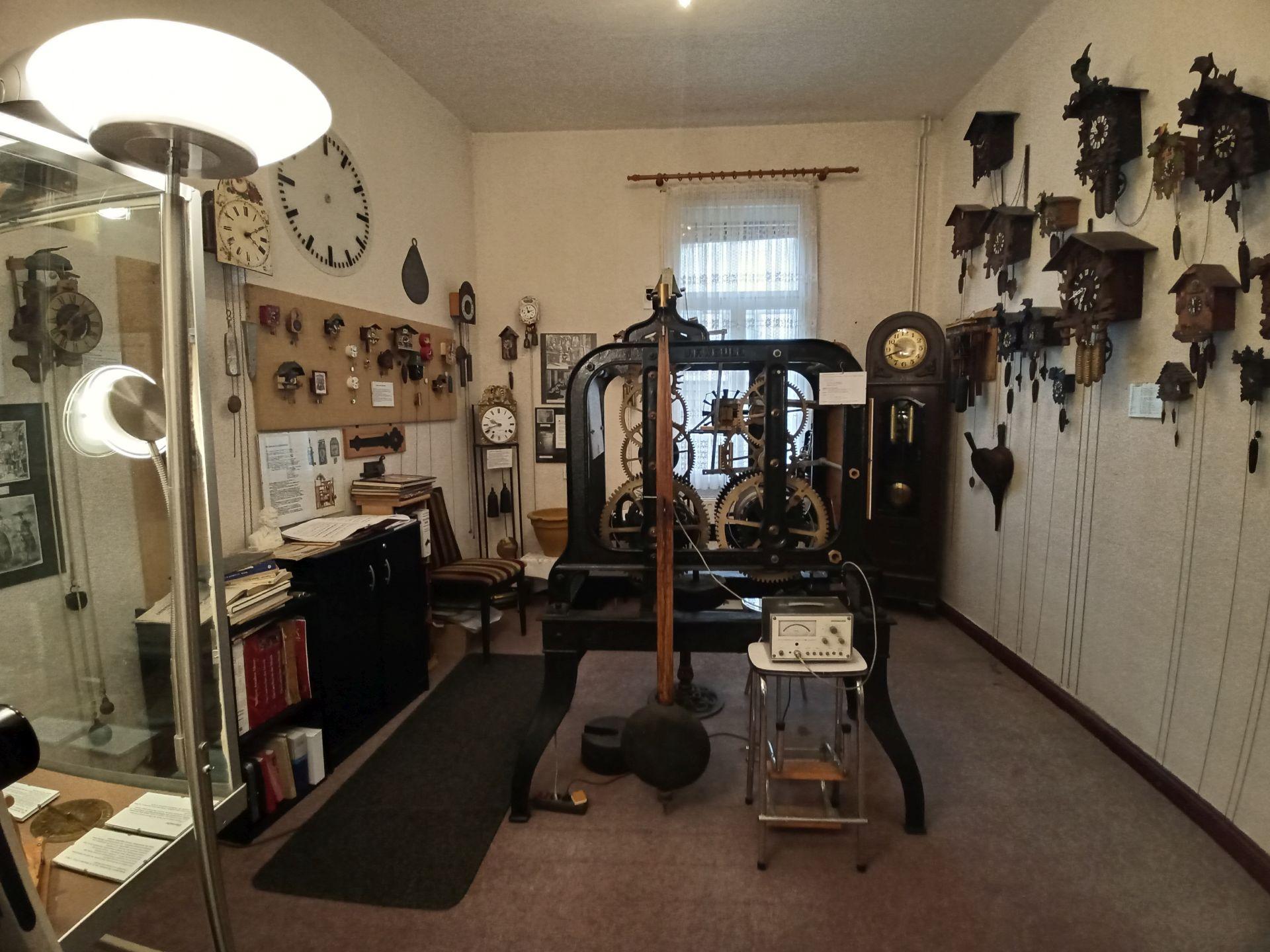 Raum 2 im Uhrenmuseum Treseburg