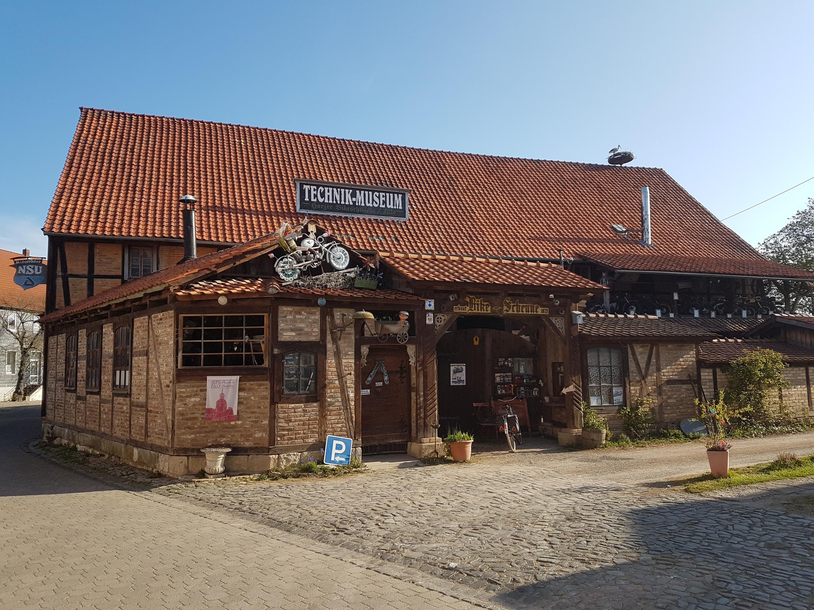 Außenansicht der Harzer Bikeschmiede in Zilly