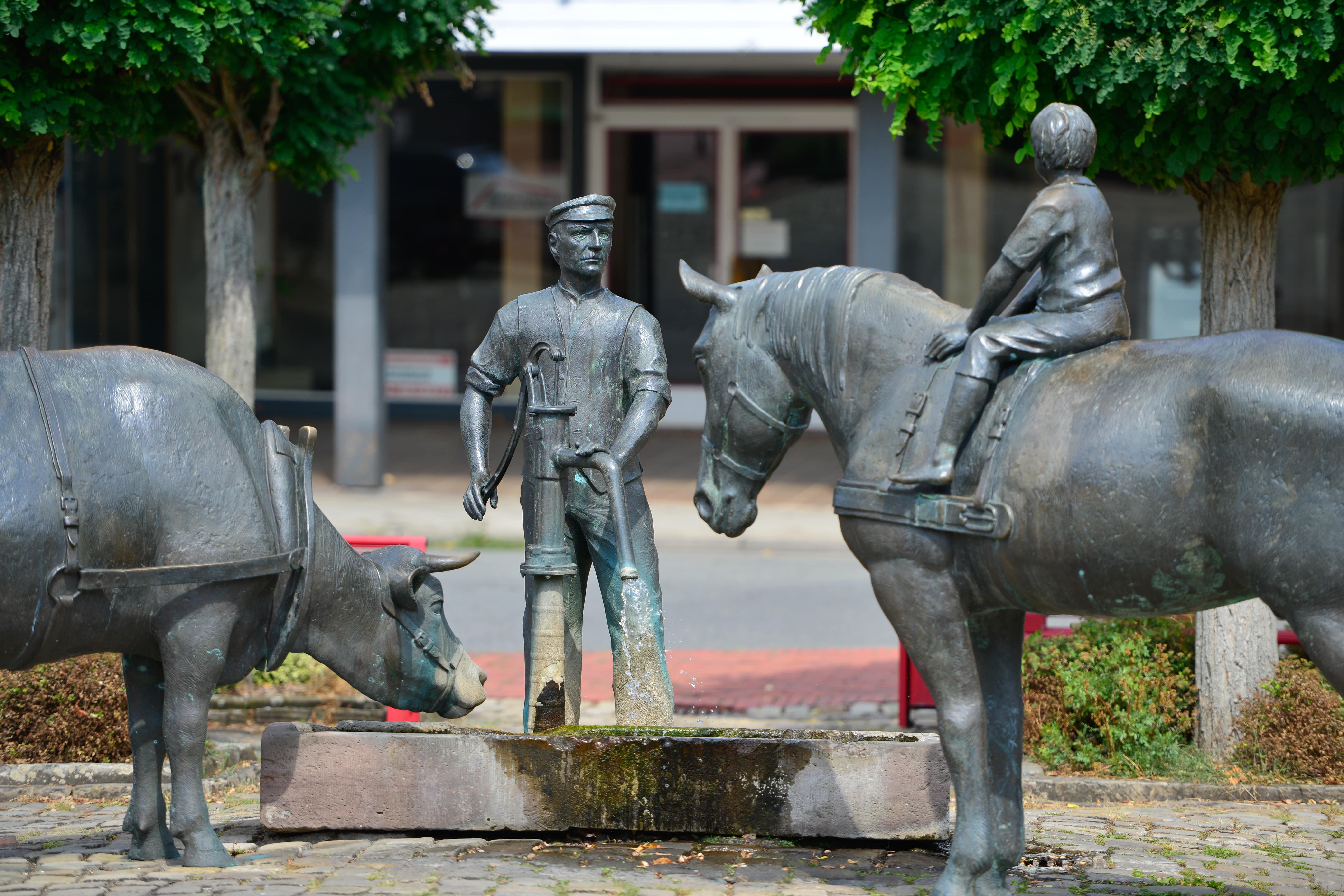 Marktplatz mit Ackerbürger Skultptur