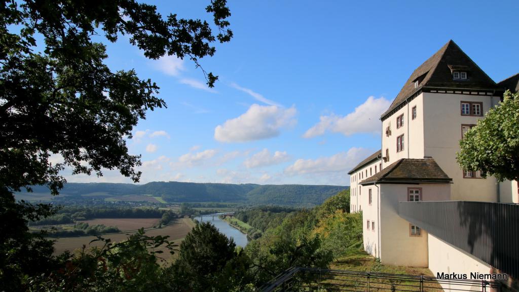 Weseröhen_Blick_von_Schloss_Fürstenberg_ins_Wesertal