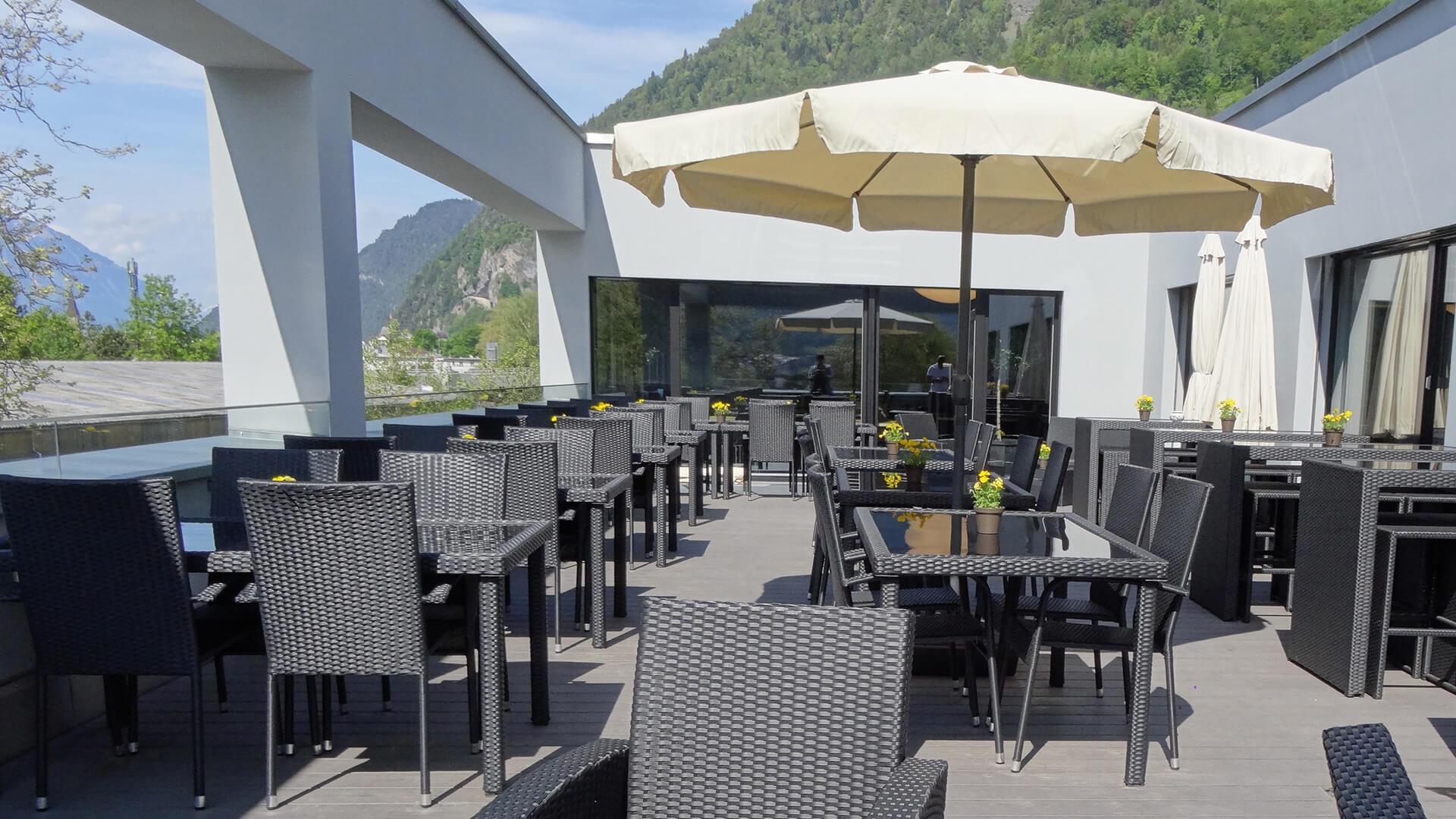 restaurant-topoff-balkon-tische