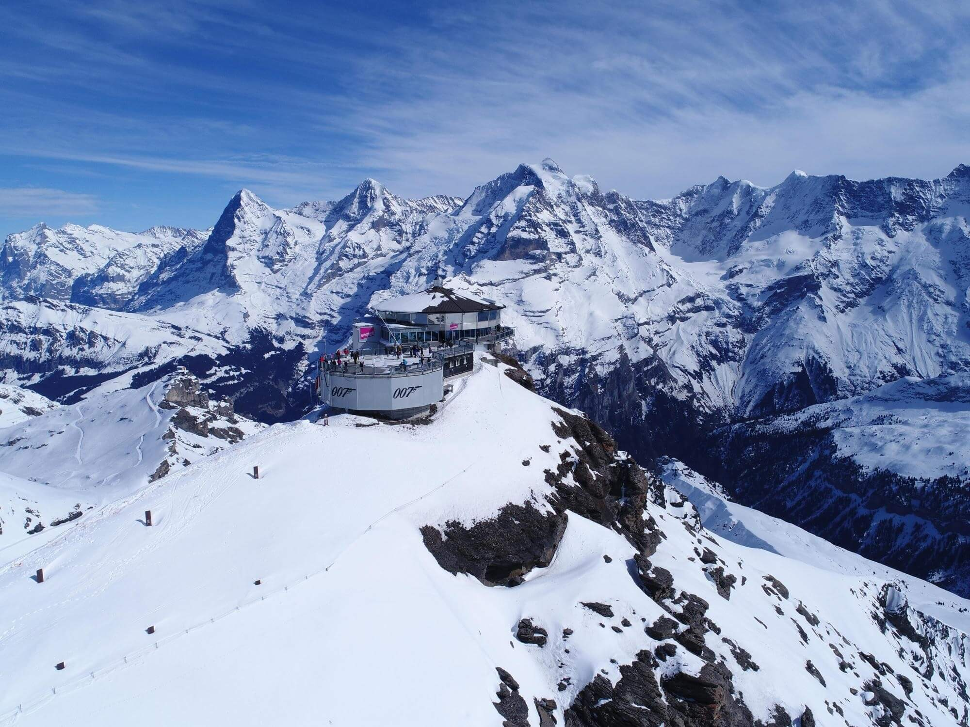 schilthorn-piz-gloria-winter-panorama