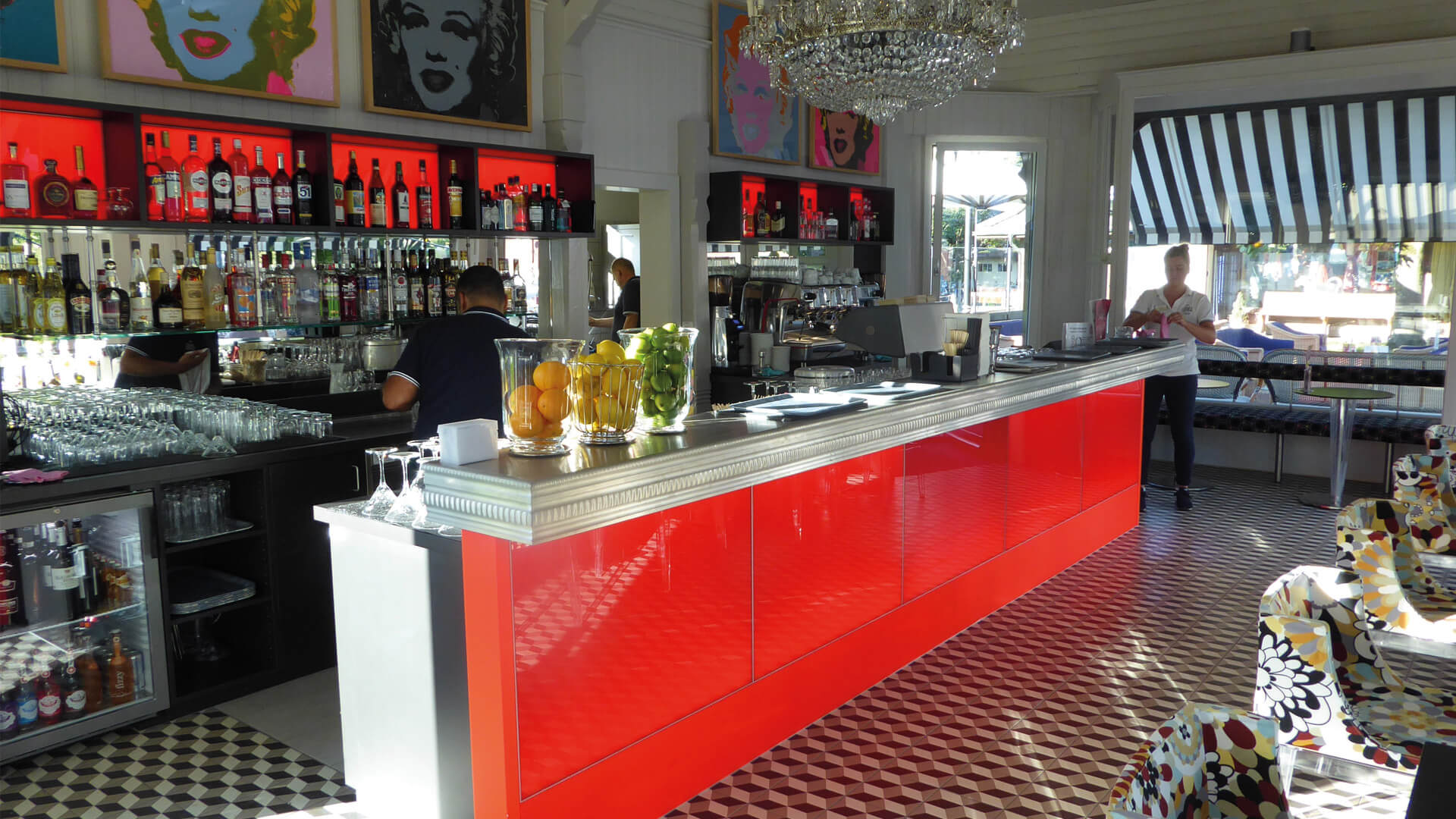 des-alpes-lounge-bar