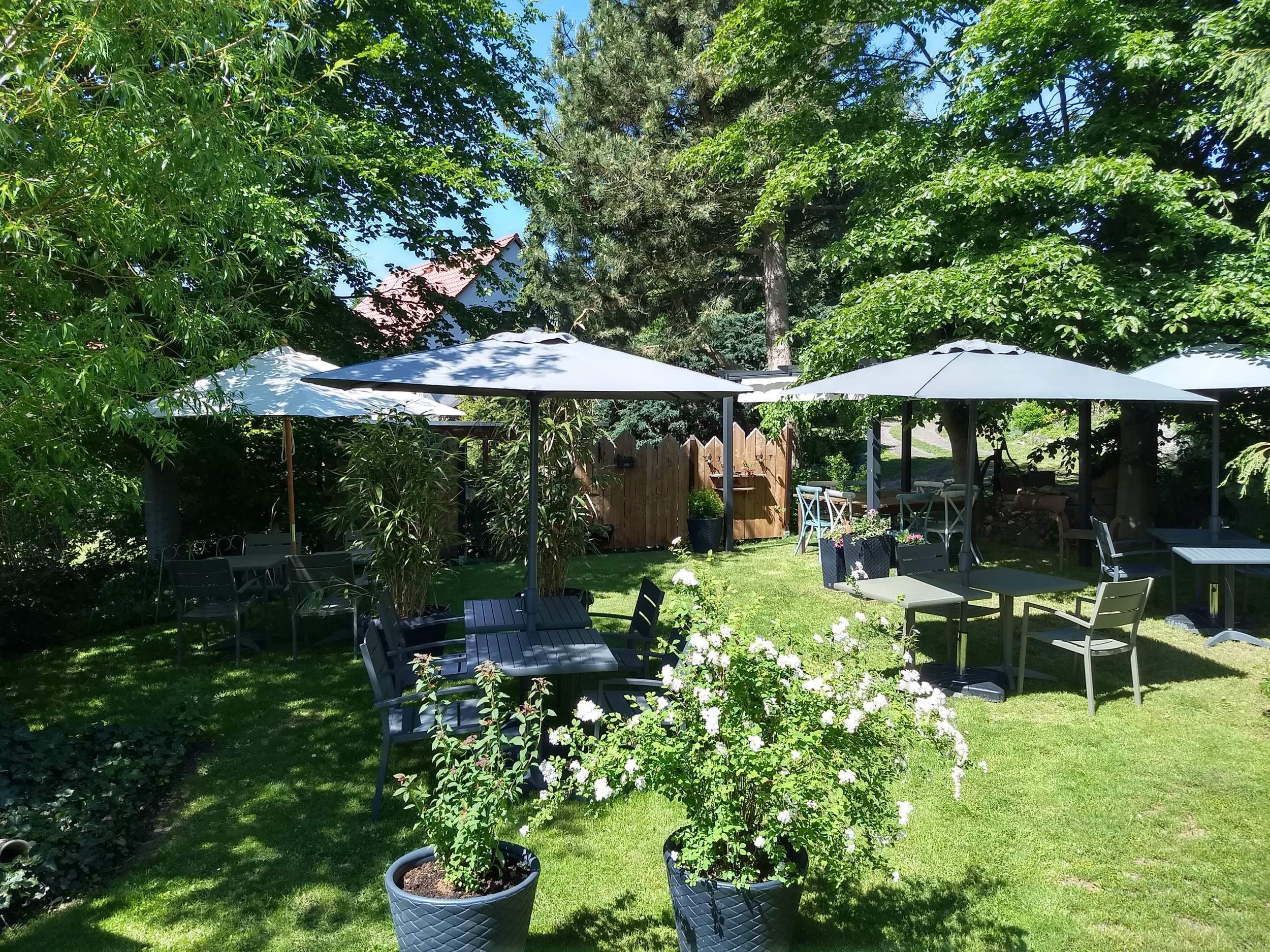 """Hotelpension """"Das Gartenhaus"""" in Neudorf - Garten"""