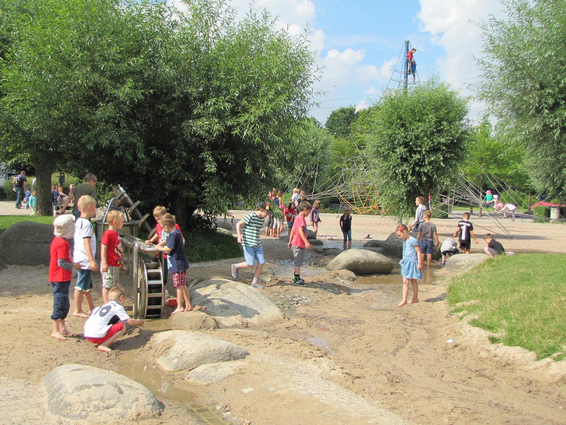 Wasserspielplatz im Schloss- und Auenpark