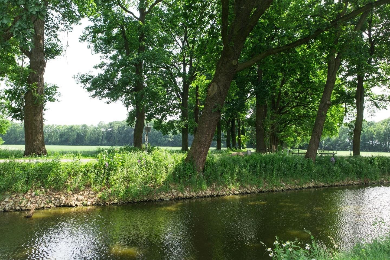 An der Gräfte entlang des Kostergartens Clarholz