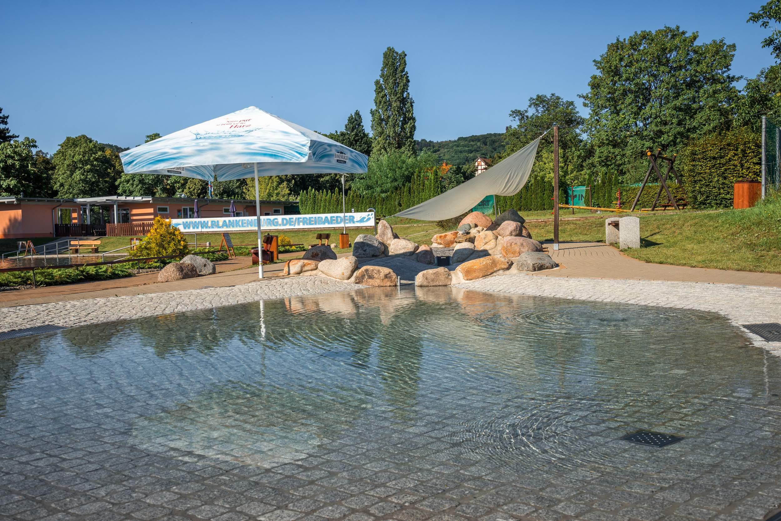 Biologisches Freibad am Thie in Blankenburg