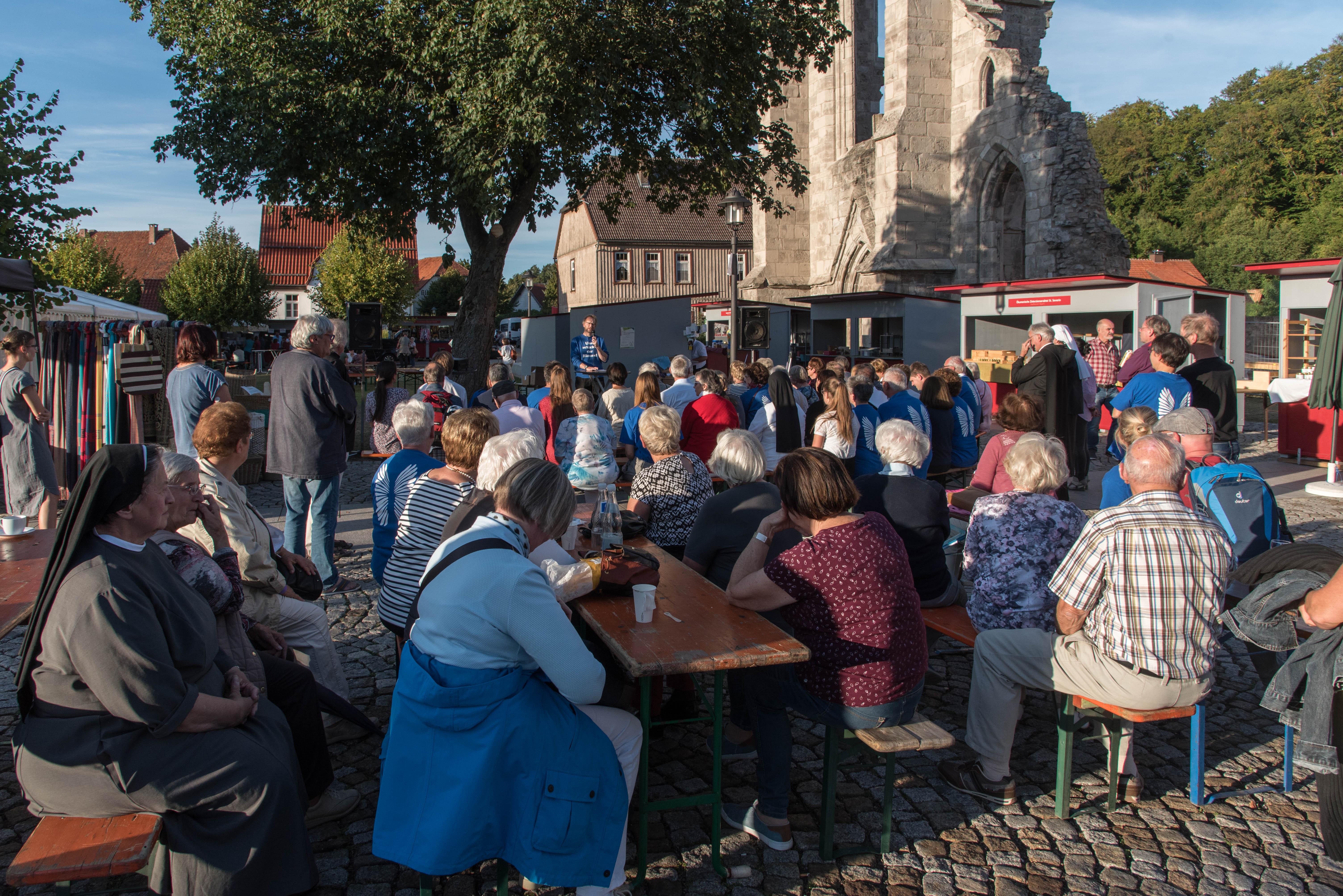 Kloster-Walkenried-Klostermarkt-Vorplatz