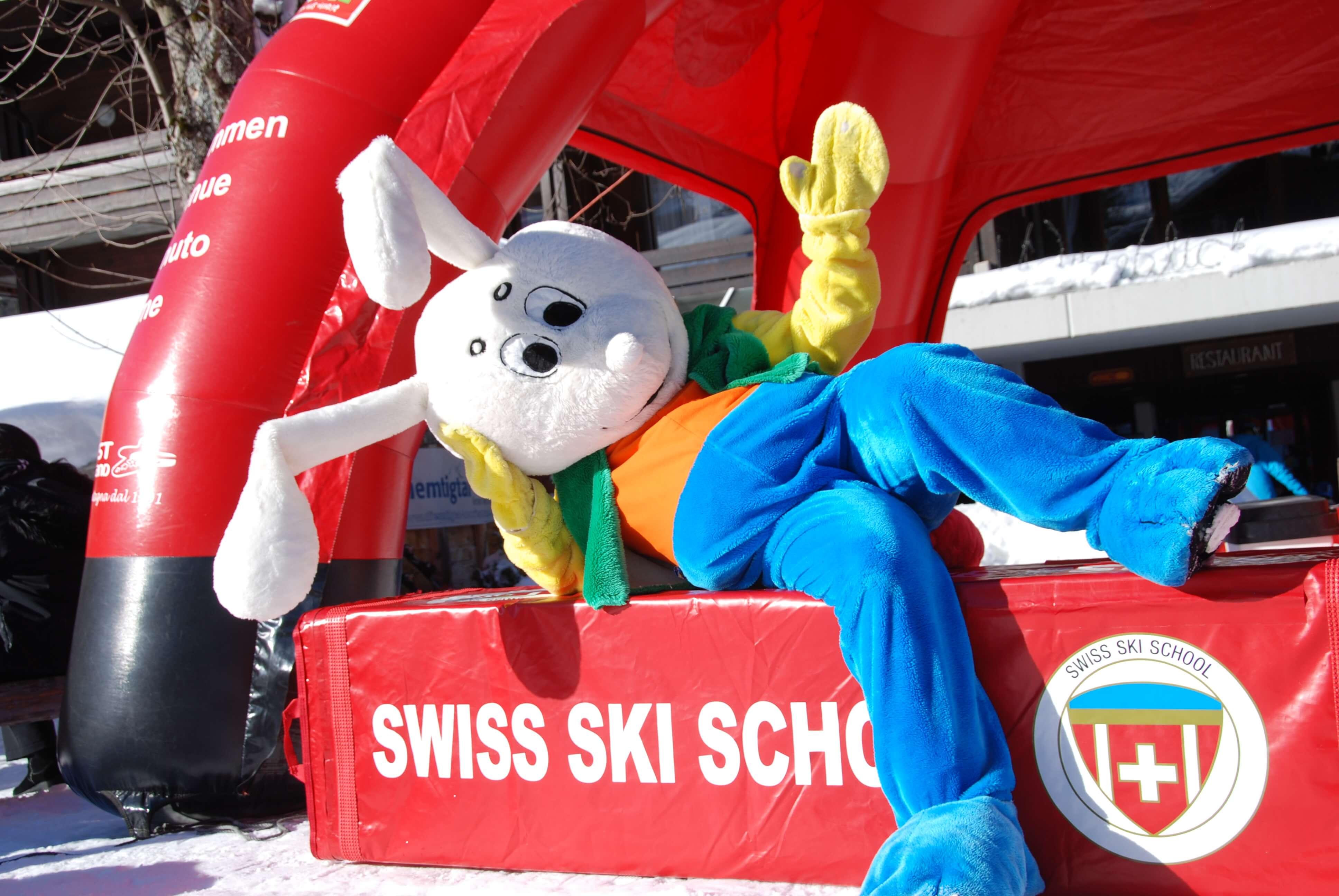Der Snowli zu Besuch bei der Skischule Wiriehorn