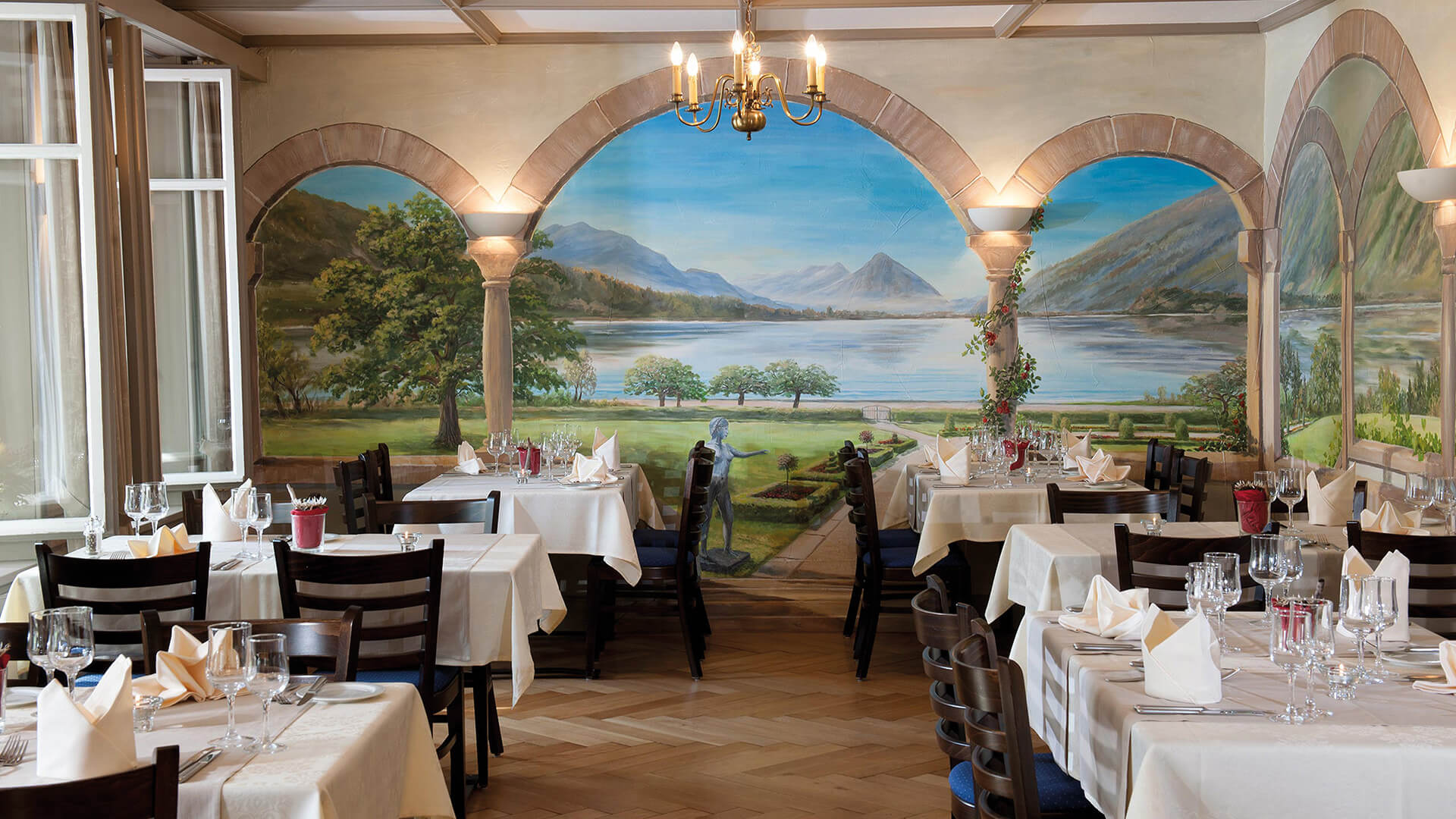 restaurant-jungfrau-wilderswil-essensbereich-innen