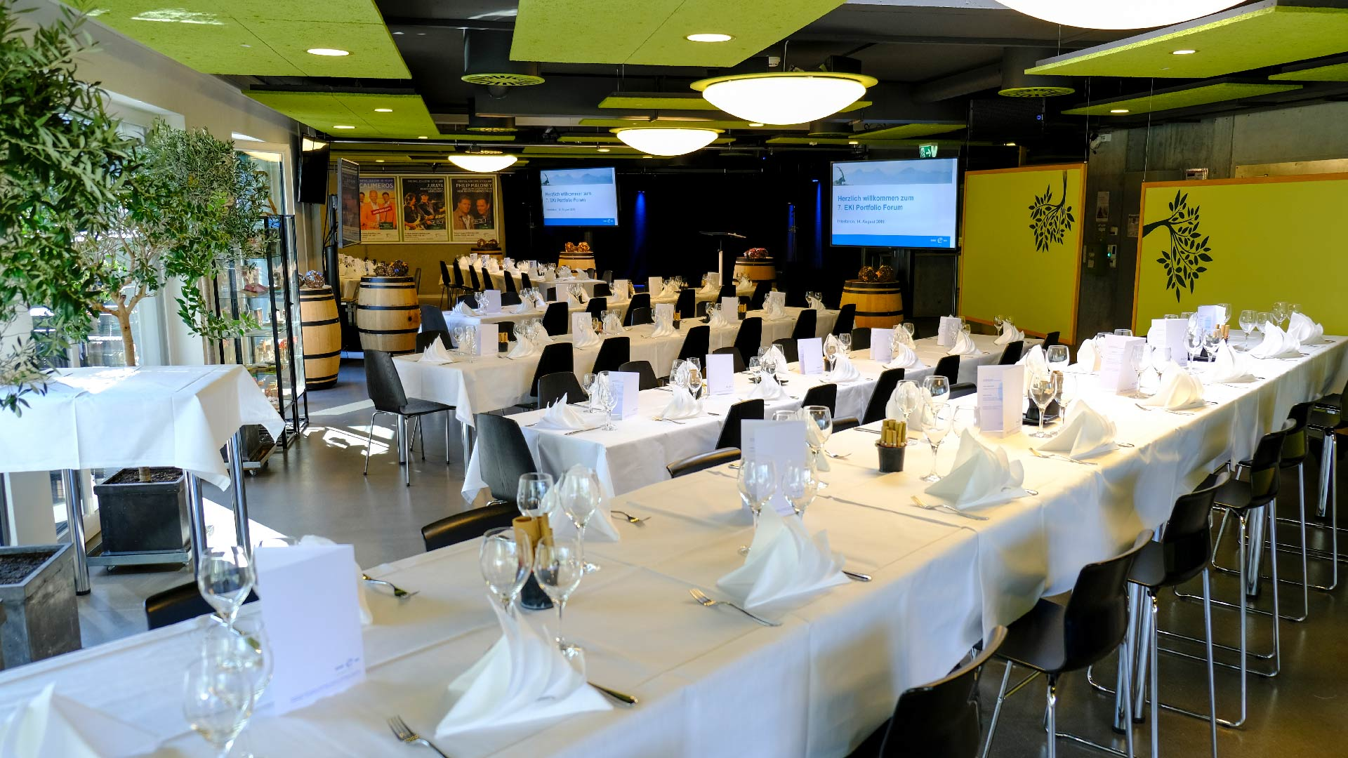 restaurant-topoff-speisesaal-tische