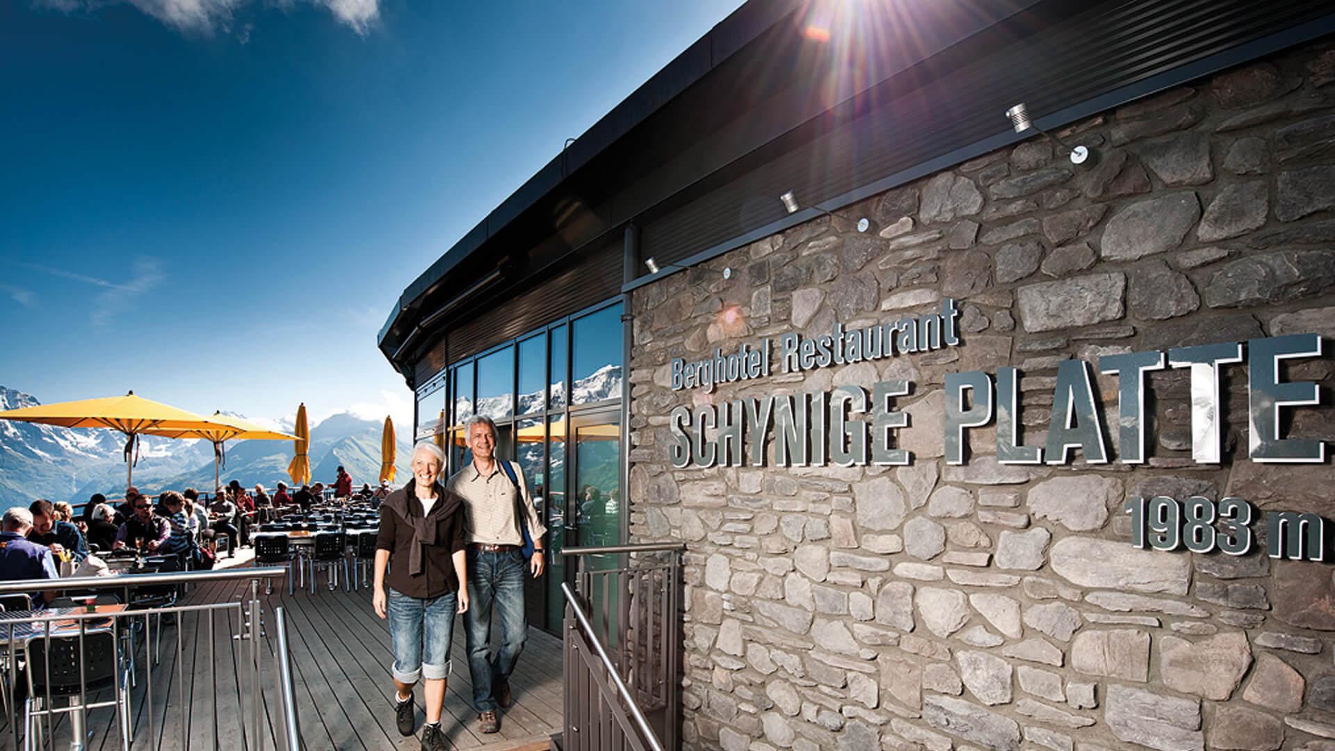 schynige-platte-bergrestaurant-terrasse